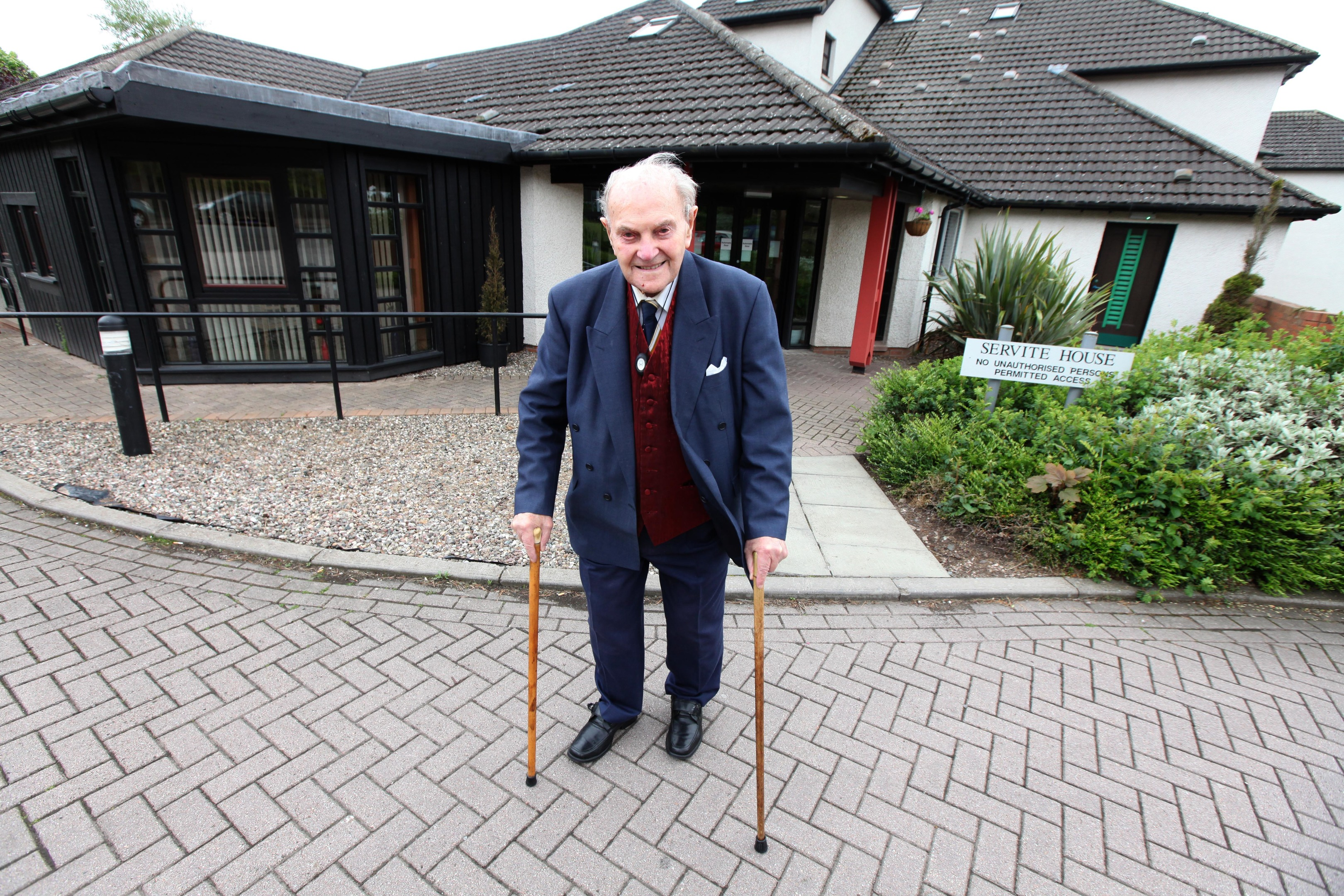 Centenarian Jack Stephen fears for the safety of residents.