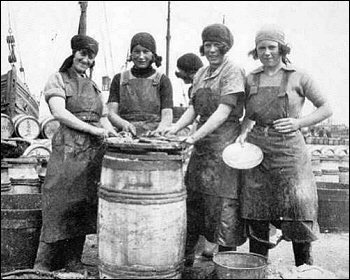Herring girls at Pittenweem Harbour are now a thing of the past