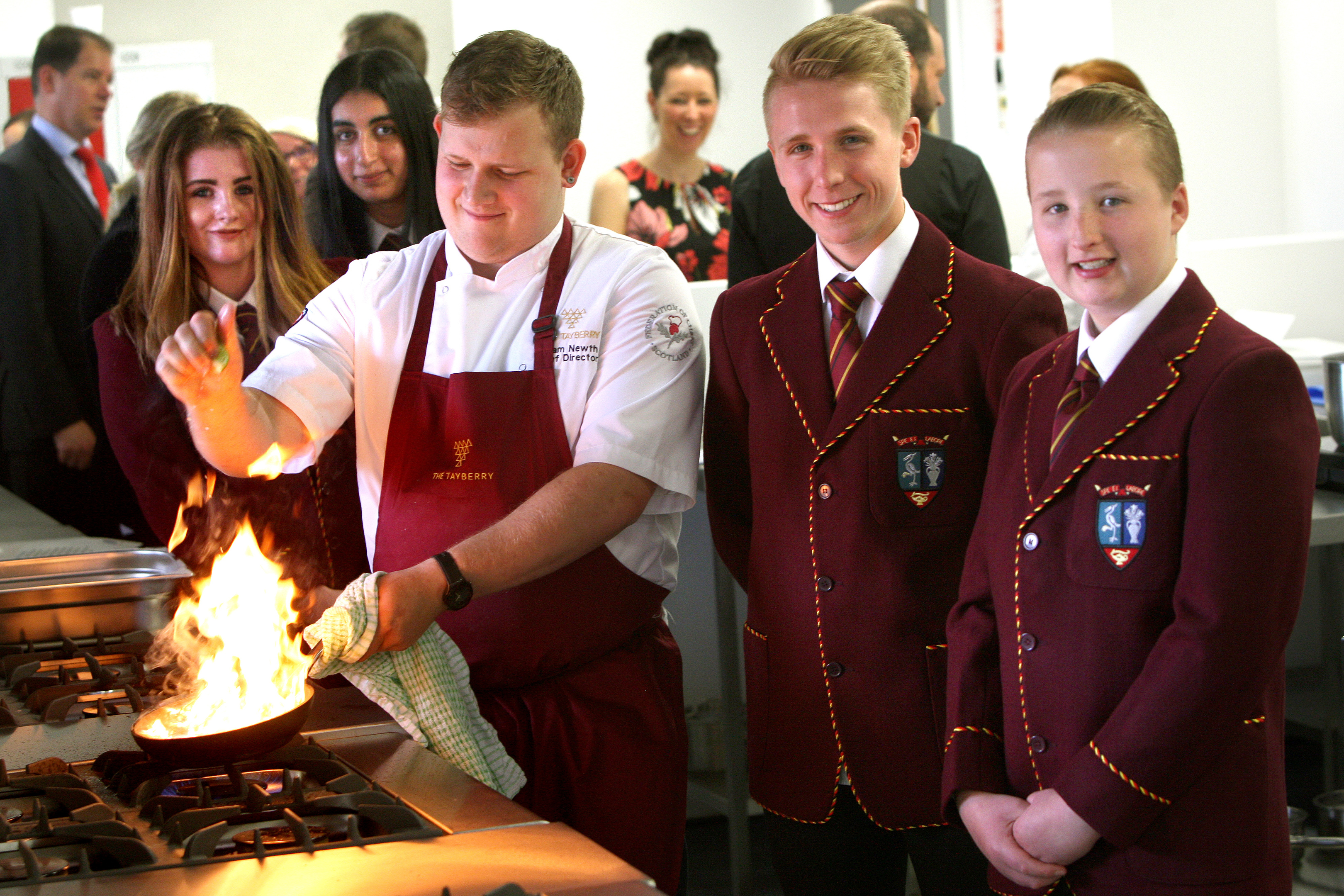 Top Dundee chefs will be helping cook up a career menu for secondary pupils in Dundee.