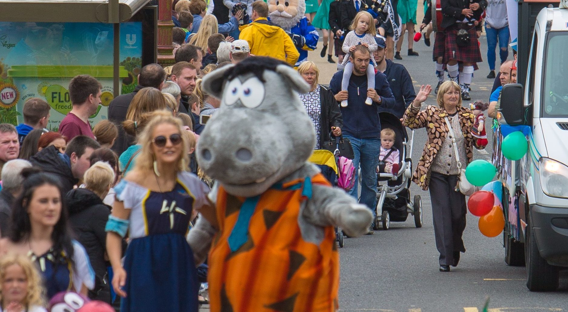 Thousands turned up to watch Cowdenbeath parade