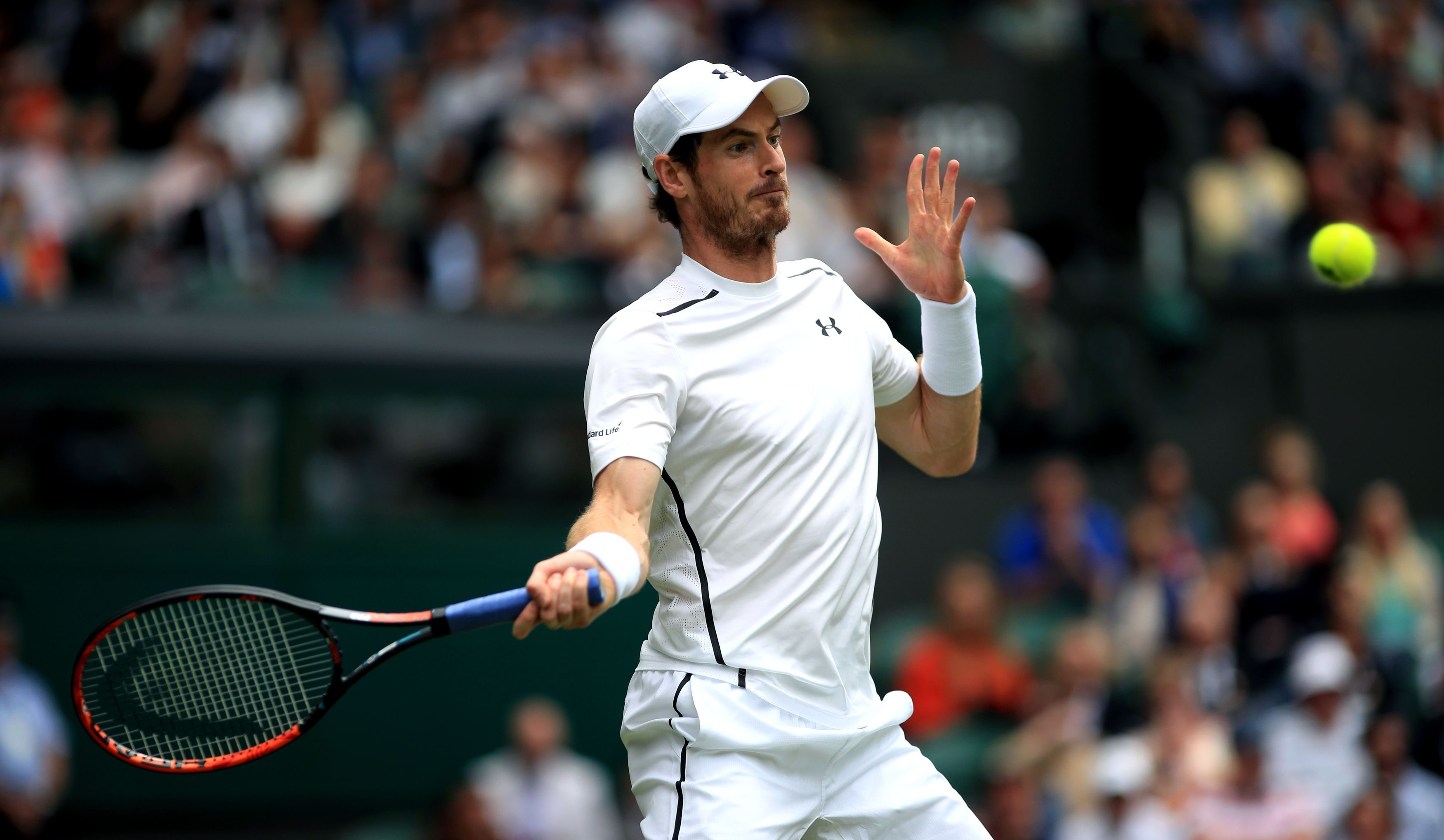 Andy Murray in action against Liam Broady.