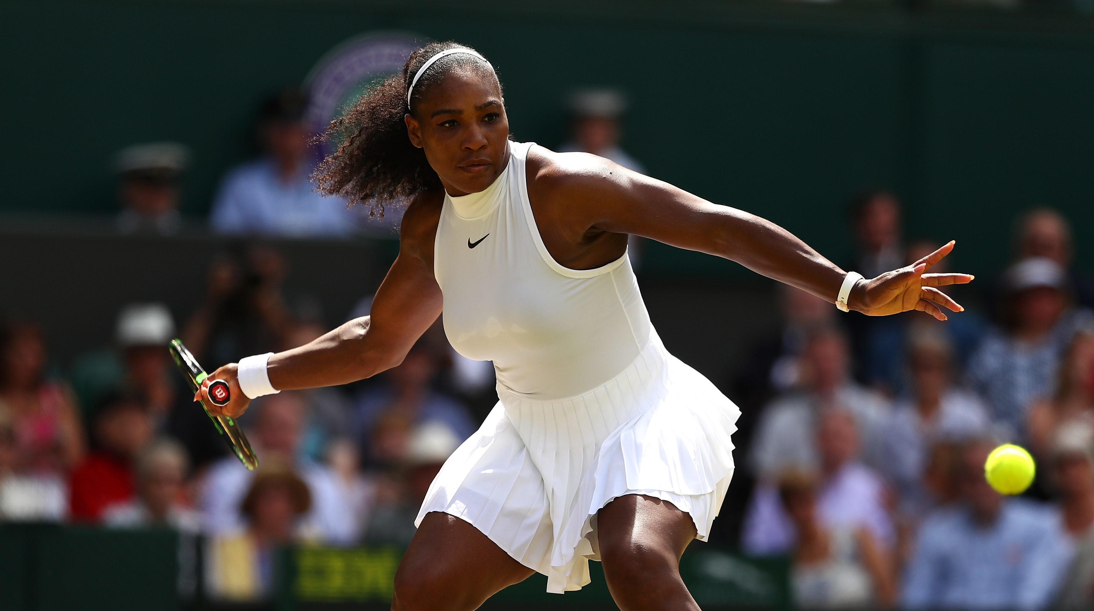 Serena Williams has been dragged into a debate about women's tennis by John McEnroe.