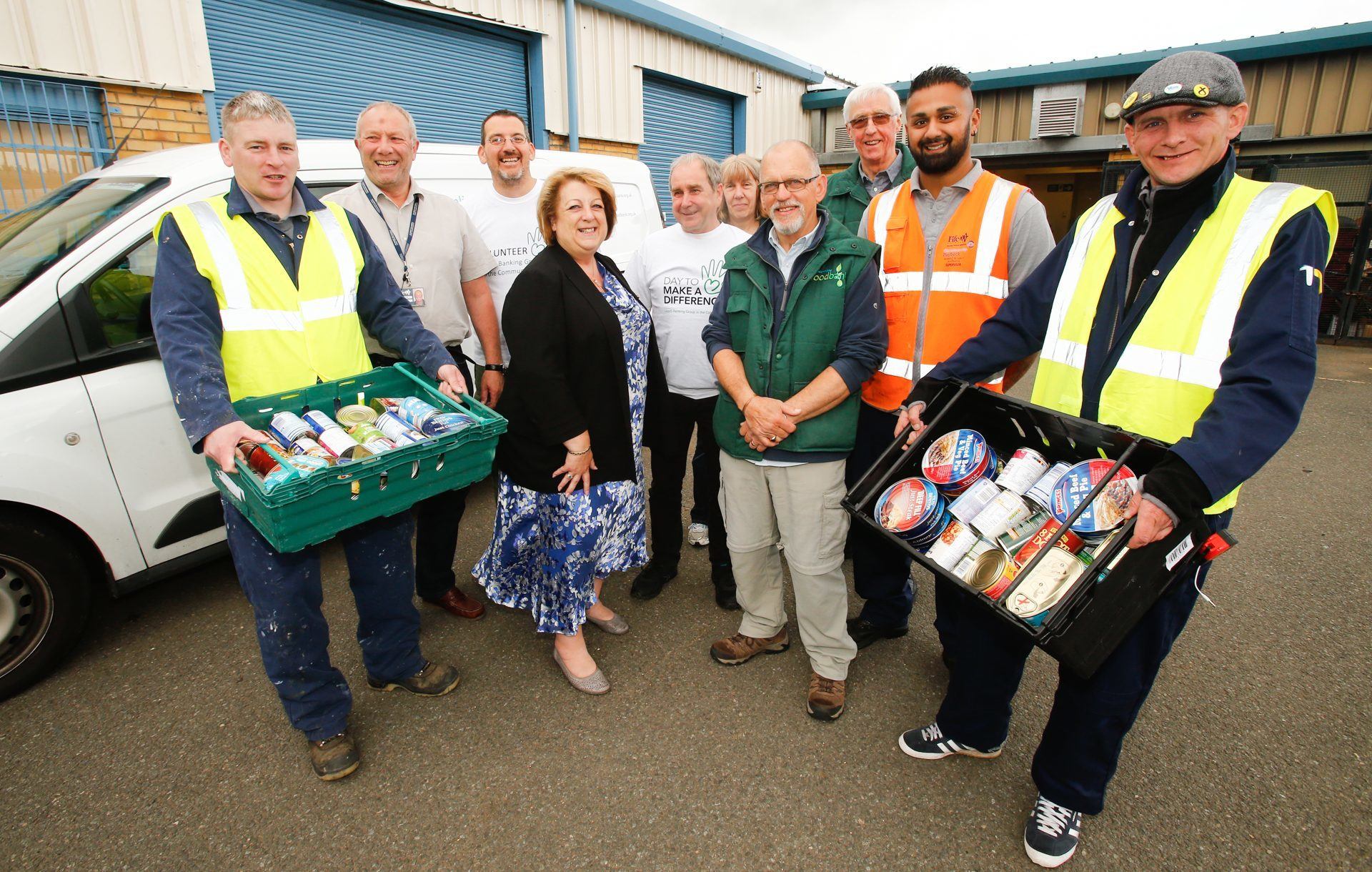 Councillor Linda Erskine visits Dunfermline Foodbank to see how the community payback unpaid work scheme is making a difference to them.
