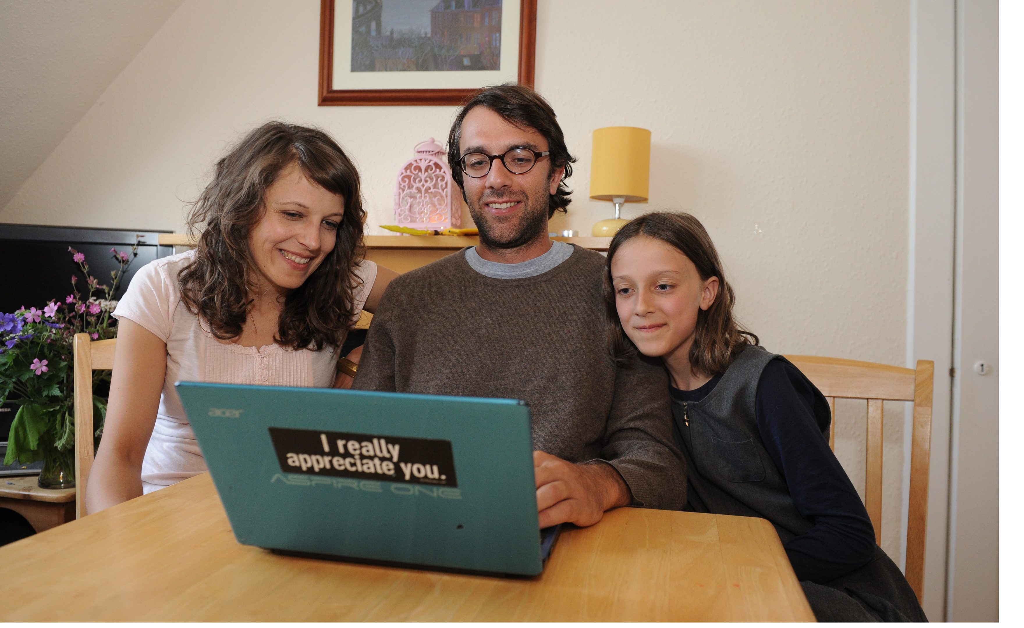 Fabien, Olga and daughter Finia Vetter, have posted a Gumtree advert to find friends.