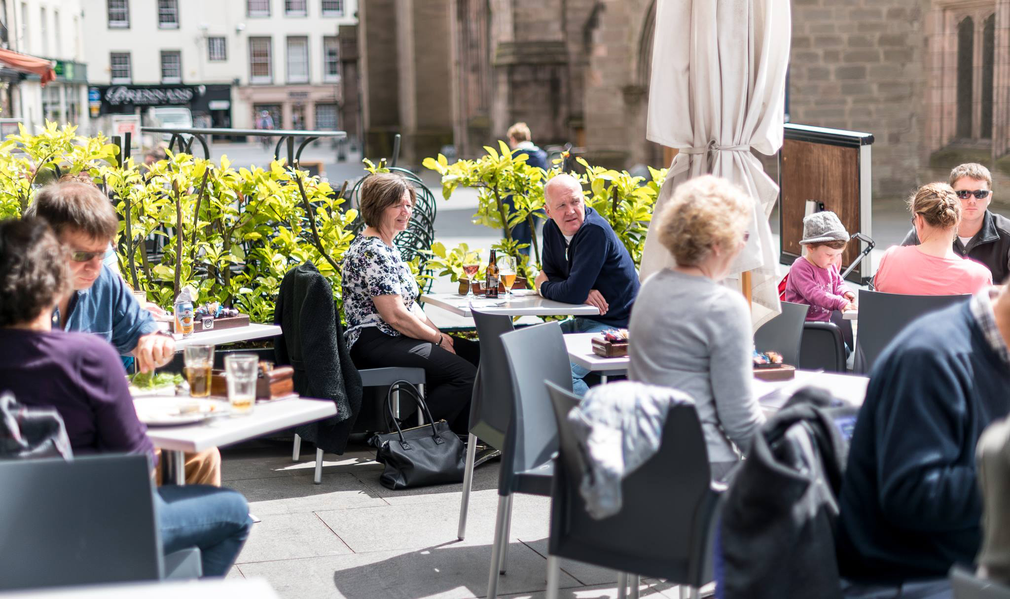 Outdoor dining in Perth city centre.