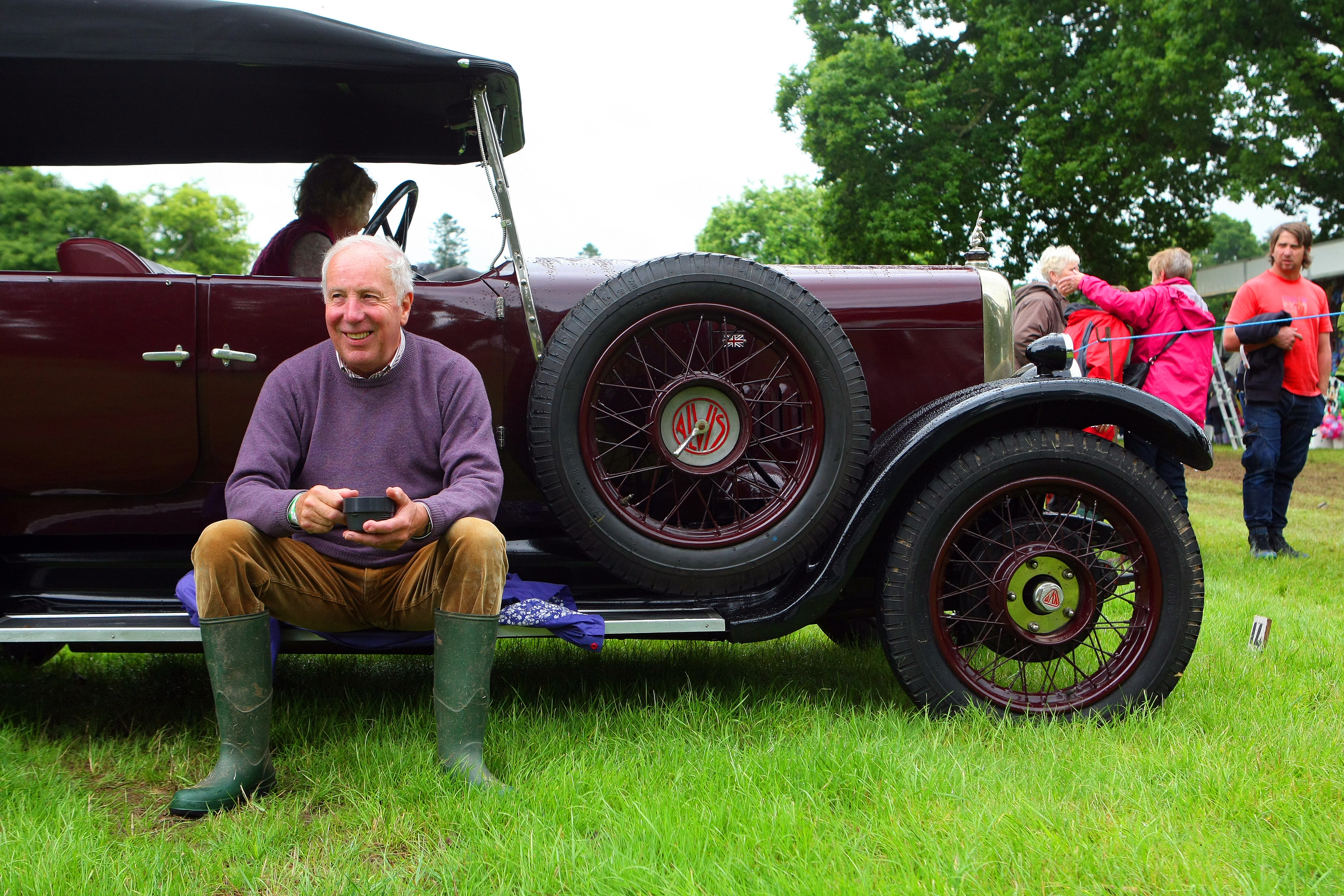Bill McCreath with a 1927 Alvis at Glamis Extravaganza.
