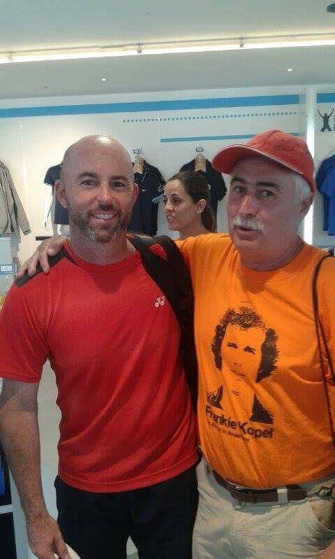 Emilio, right, pictured with Andy Murray's coach Jamie Delgado.
