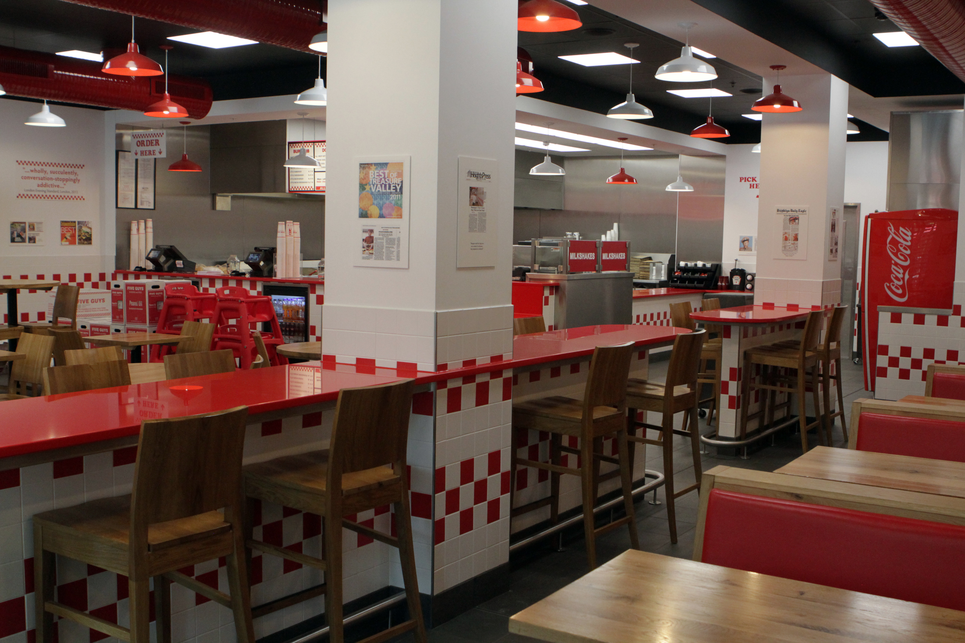 Five Guys in Dundee