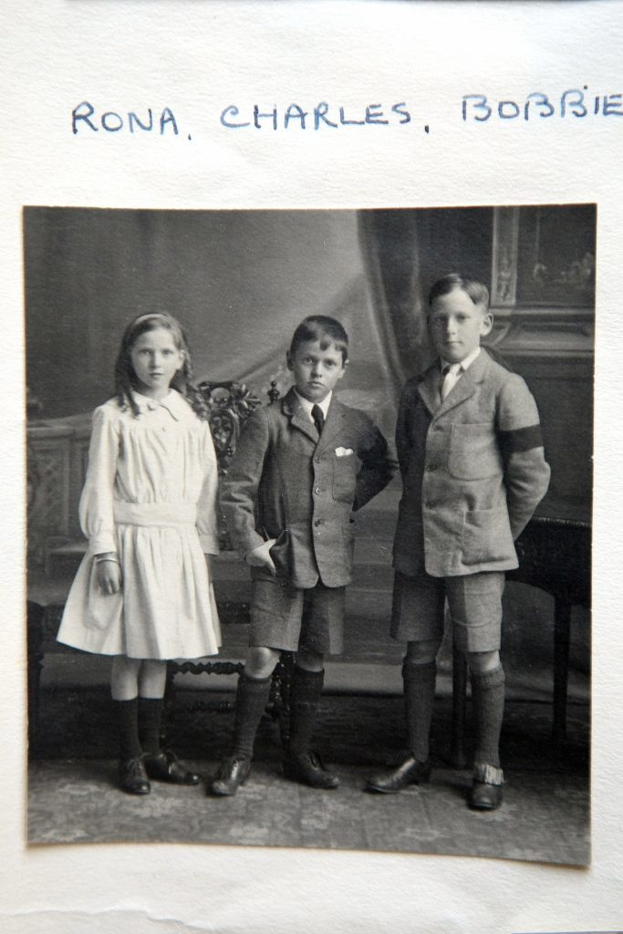 George Pagans siblings wearing black armbands after his death