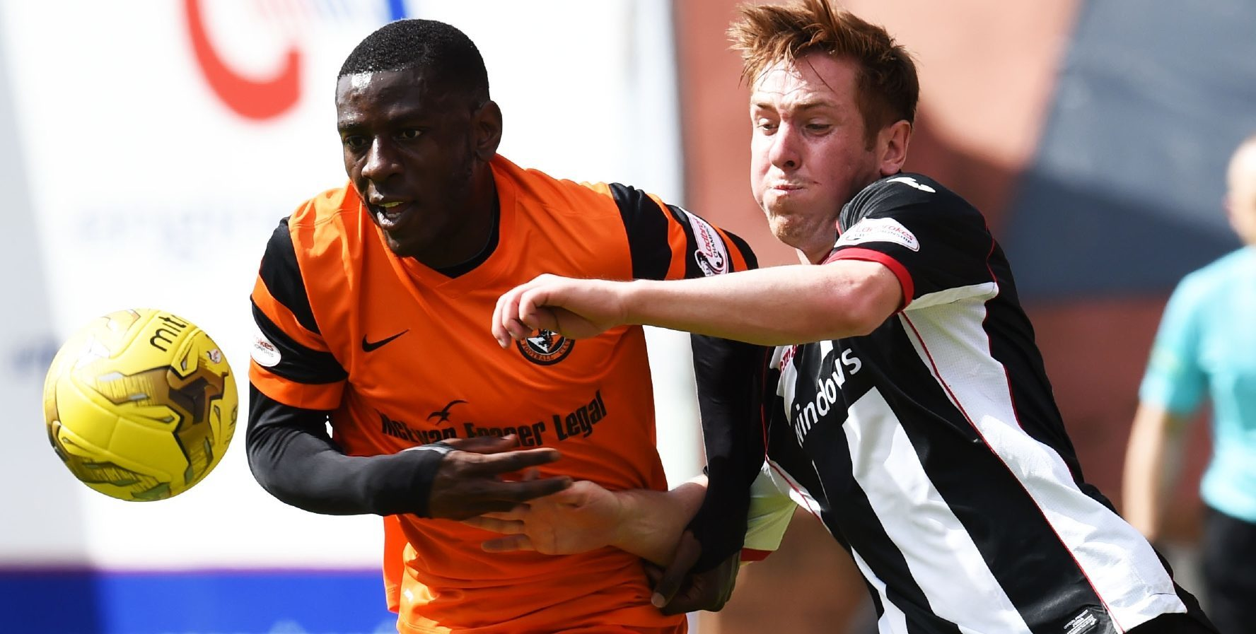 31/07/16 GROUP C BETFRED CUP    DUNDEE UNITED V DUNFERMLINE    TANNADICE - DUNDEE    Dundee United's Tope Obadeyi (L) and Dunfermline's Lewis Martin