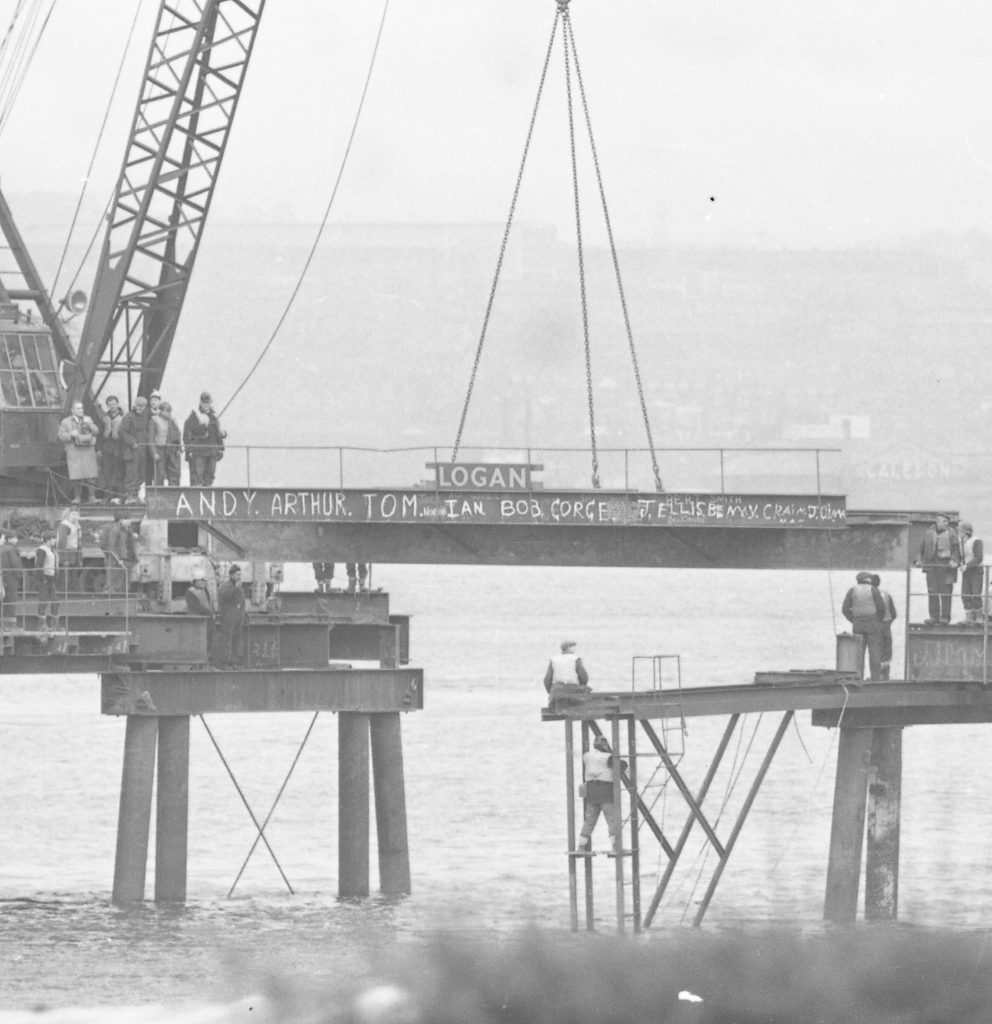 The road link up between Dundee and Newport during construction