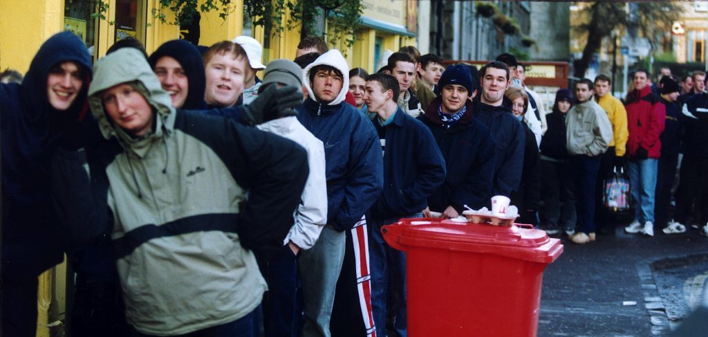 Oasis fans queuing for tickets from Groucho's in 1999.