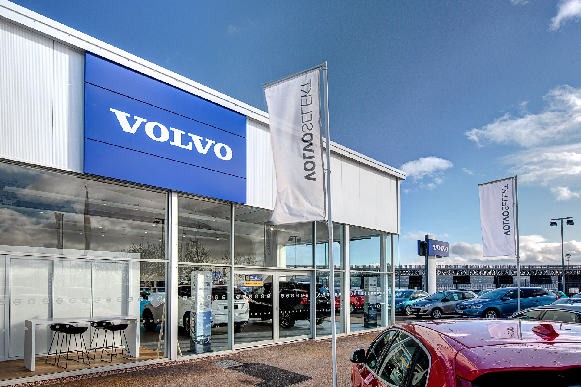 Barnetts new Volvo showroom at Riverside, Dundee was the first Volvo Retail Experience showroom in Scotland.