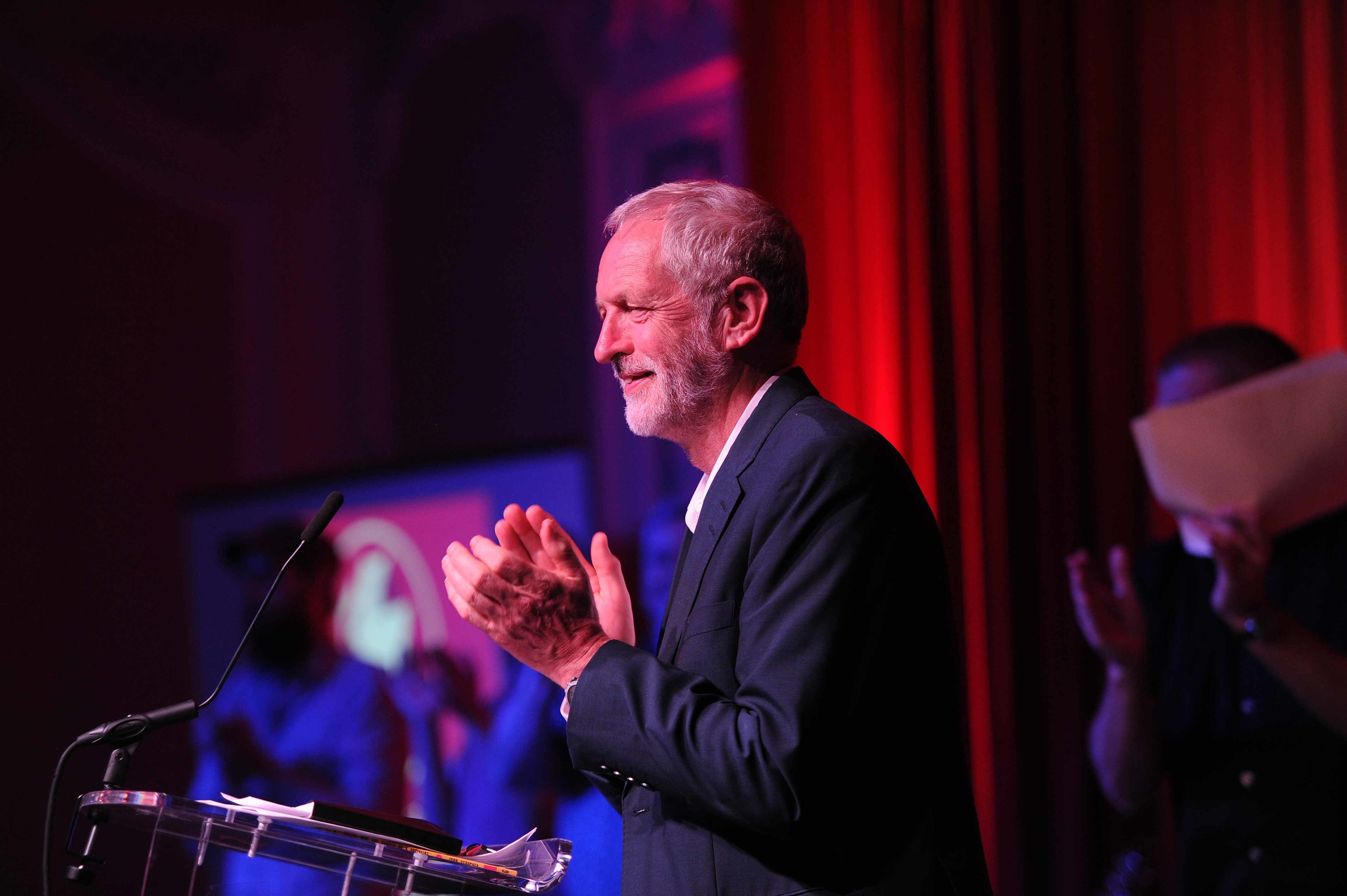 Jeremy Corbyn applauding Dundee's arts sector before addressing a rally at the Marryat Hall.