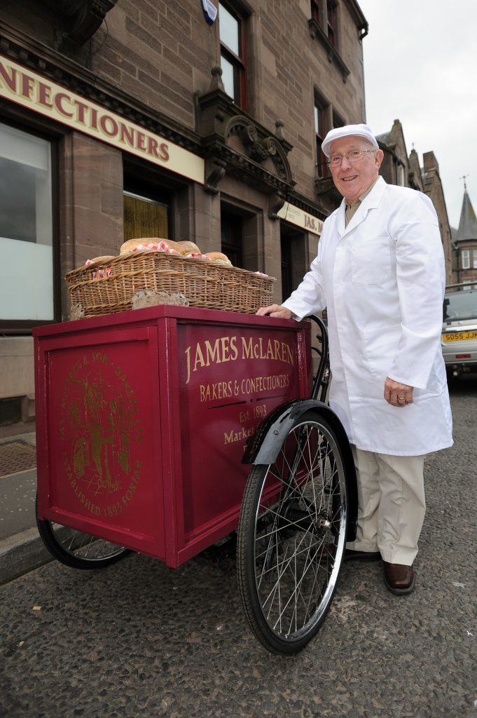 KCes_Restored_Bakers_Tricycle_Forfar_01_190816