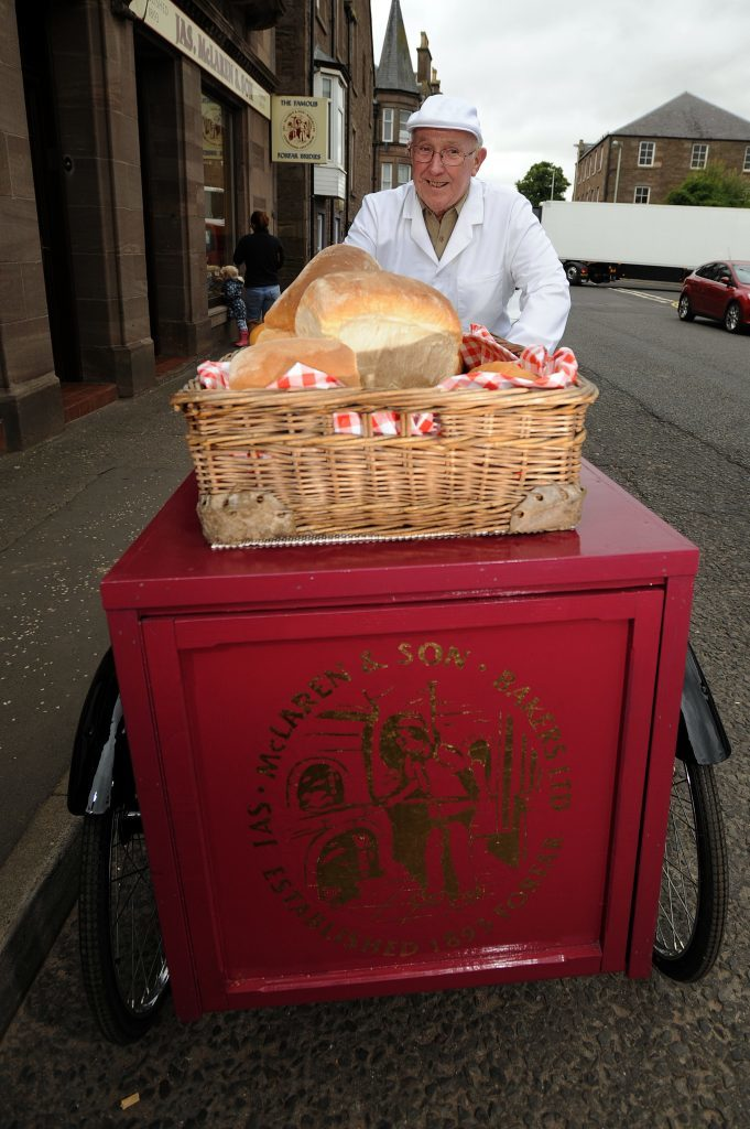 KCes_Restored_Bakers_Tricycle_Forfar_08_190816