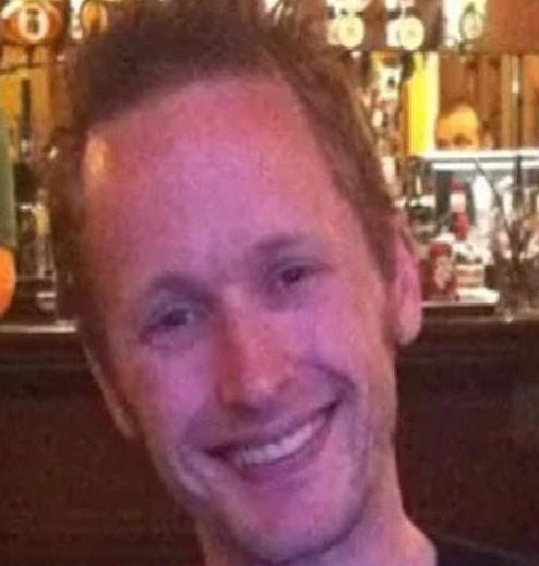 Police are calling for help in tracing missing Lee Smith.