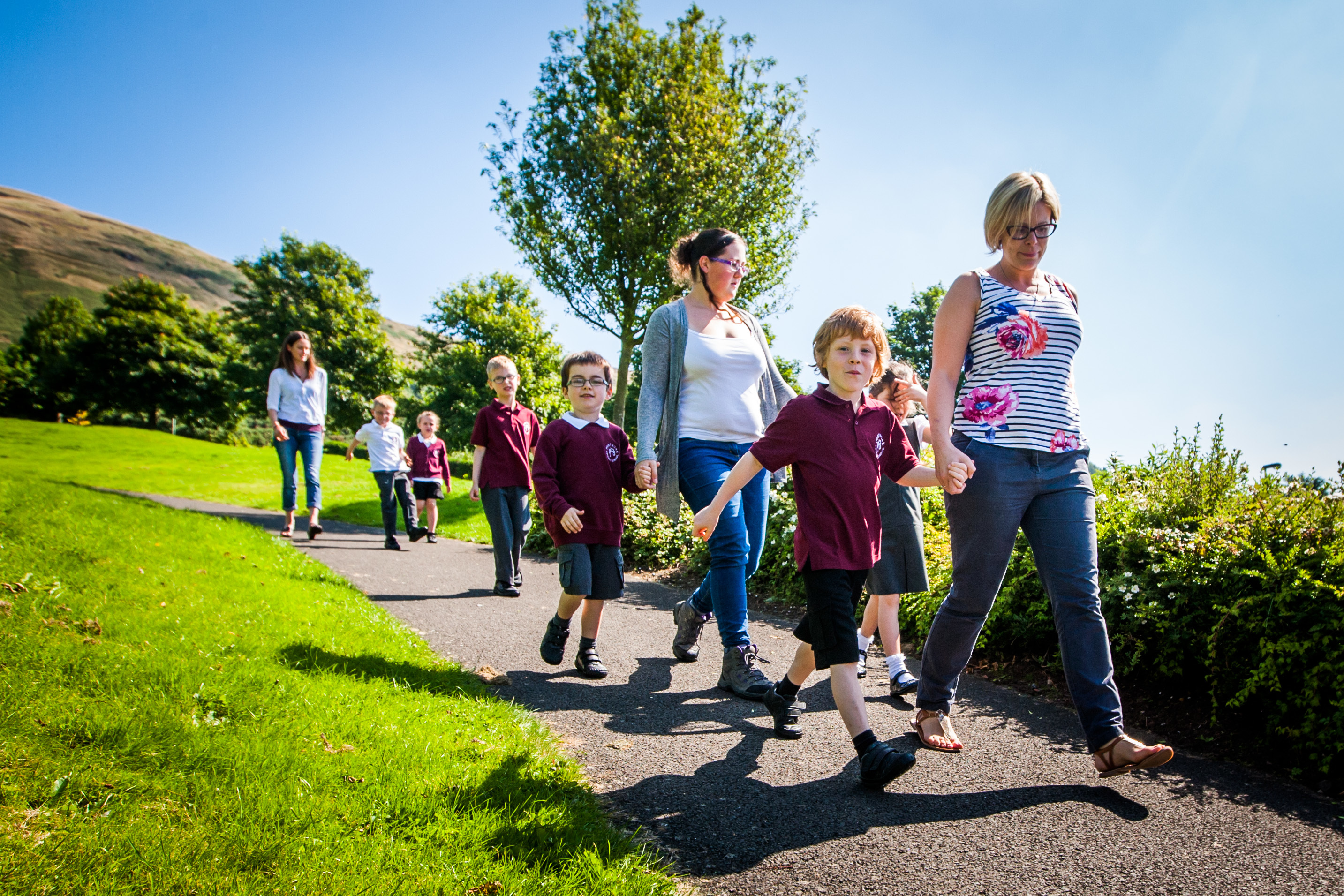 Parents are angry at the axing of a private bus used for transport of children to and from school.