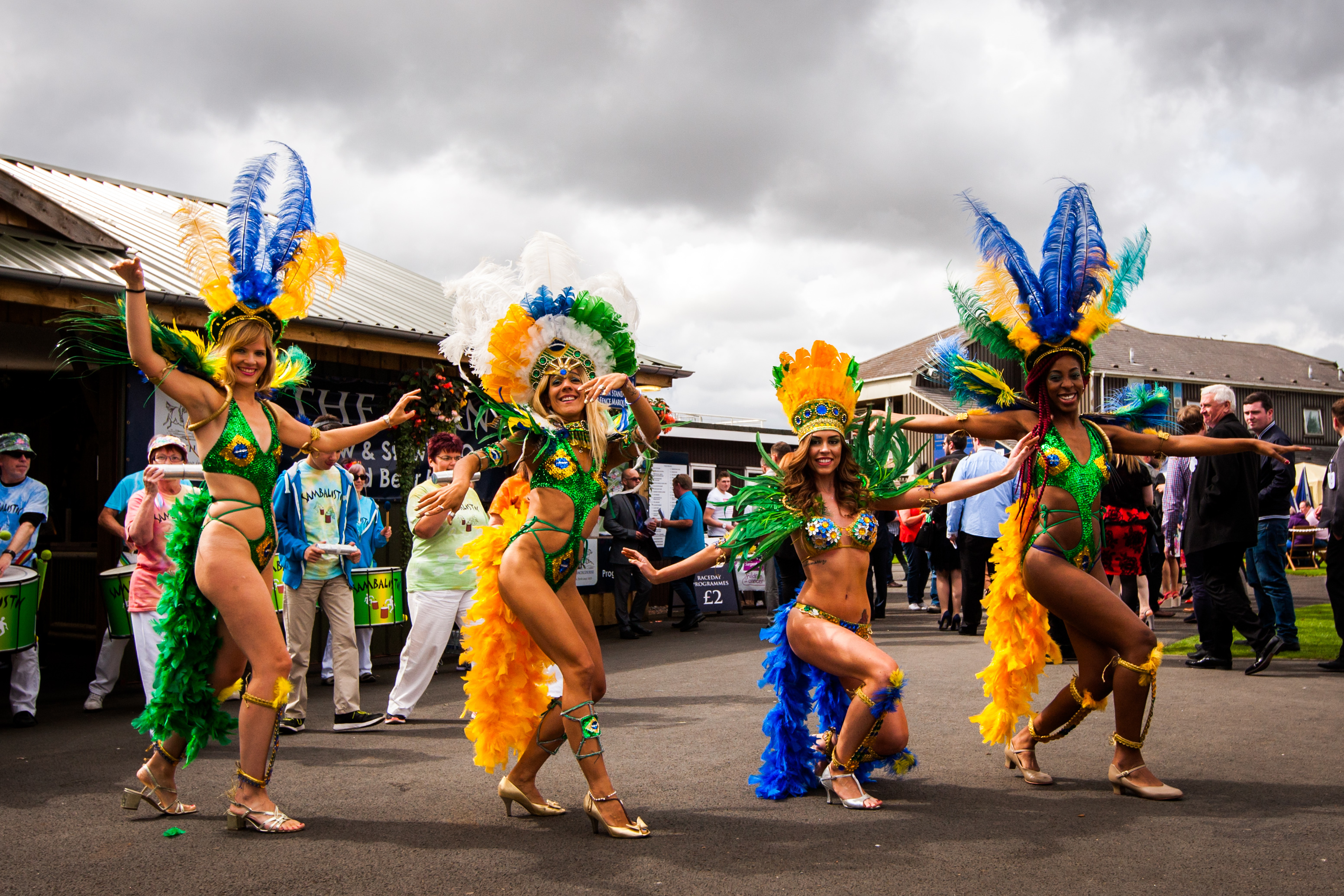 Courier News - Perth - Jamie Buchan Story. Spirit of Rio event as Carnival Raceday hits the Racecourse in Perth featuring music, dancing and racing. Picture shows performance by Brazilian Samba dance group Brazamba. Perth Racecourse, off Isla Road, Perth. Saturday 20th August 2016.