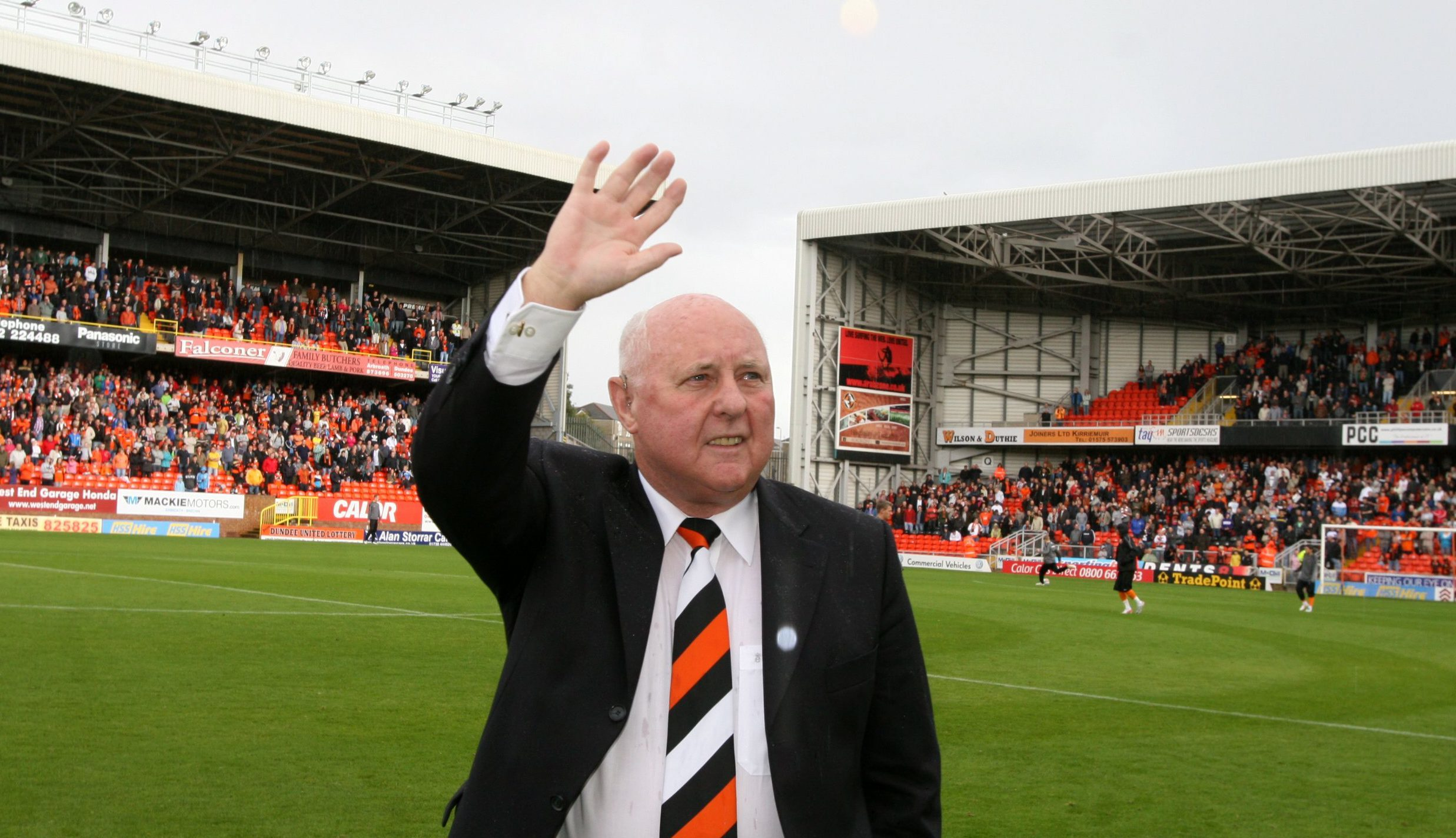 Former United manager Jim McLean, opening the Jim McLean Fair Play Stand, at Tannadice.