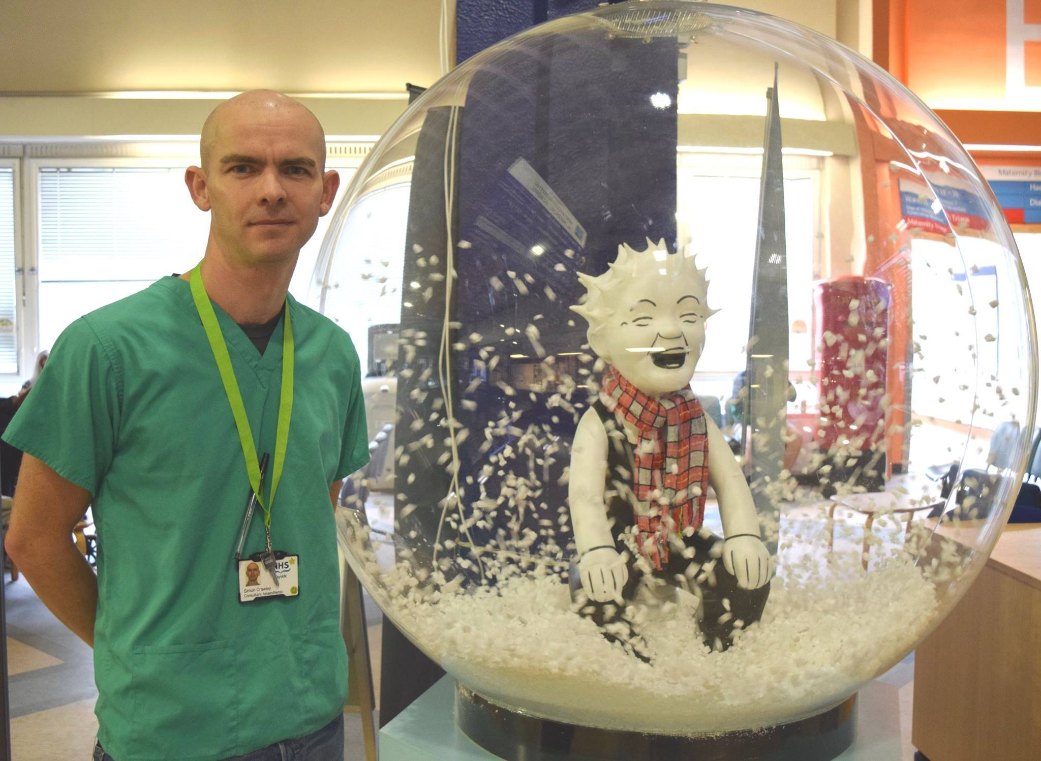Simon Crawley with a special Oor Wullie trail statue that has been on display at Ninewells Hospital.