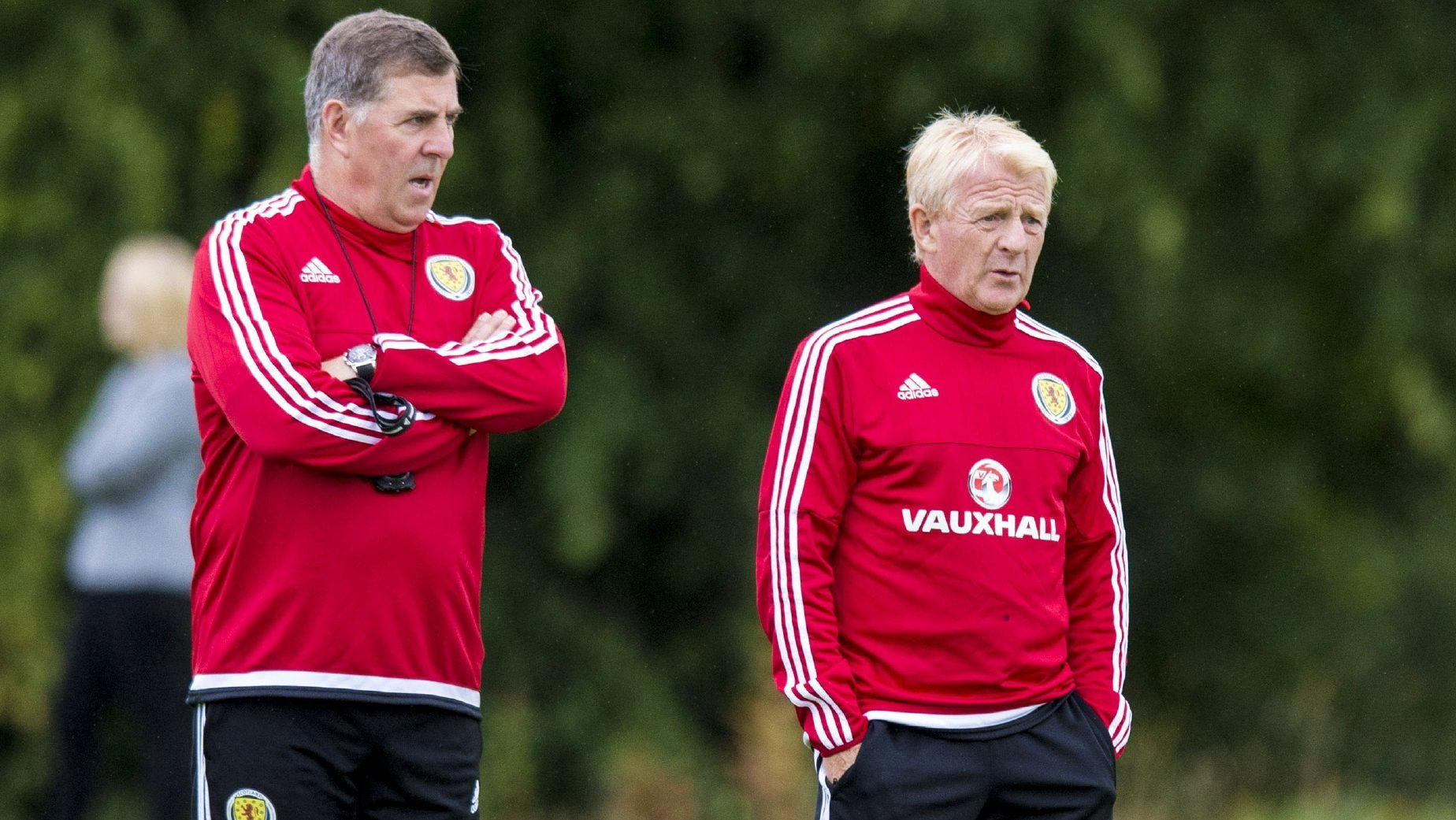Mark McGhee and Gordon Strachan take training.