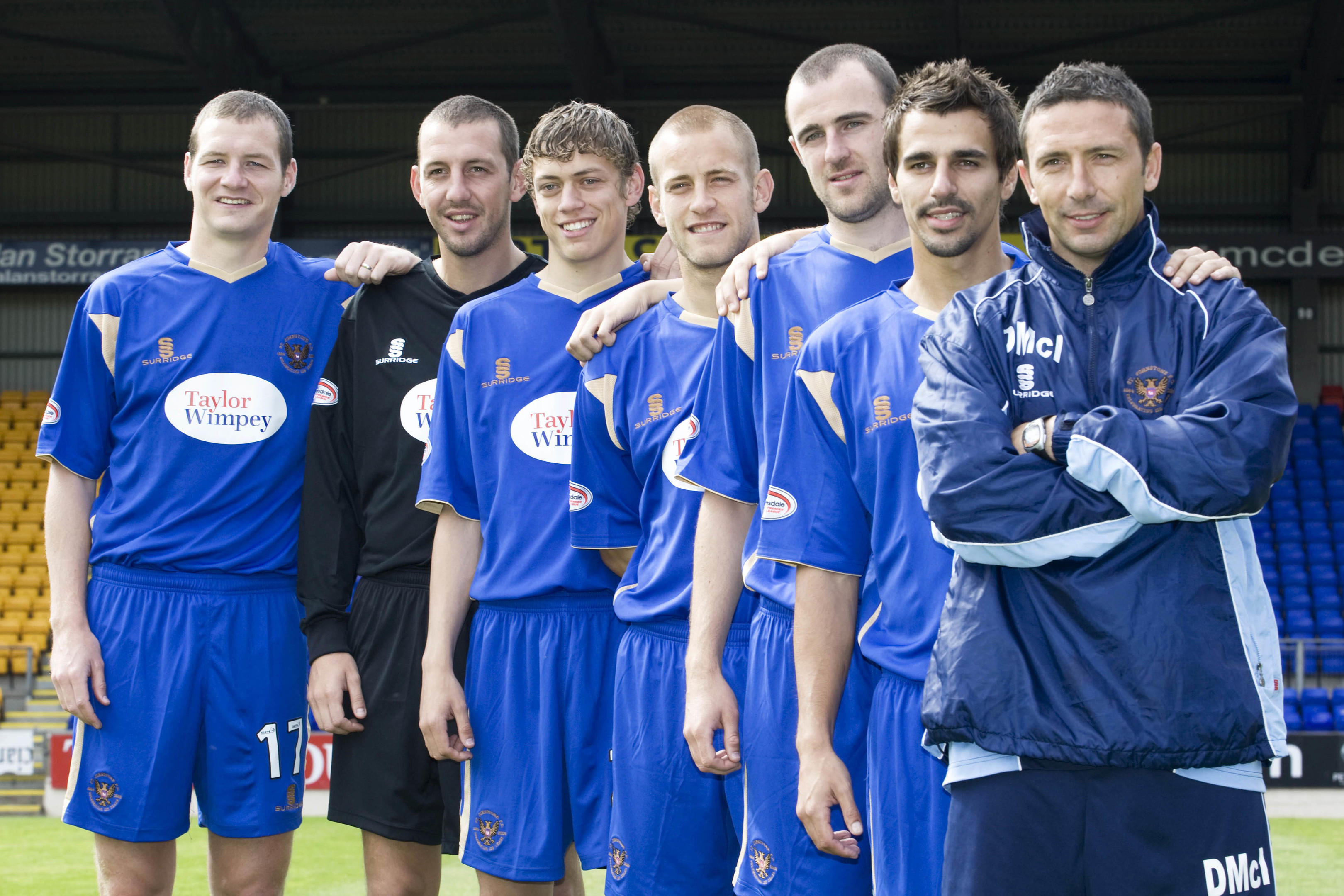 Dave Mackay with Derek McInnes and the other 2009 summer signings.