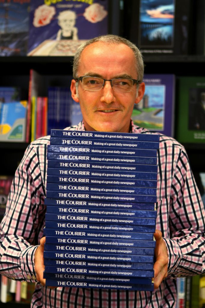 DNic_Courier_Book_Waterstones_Dundee