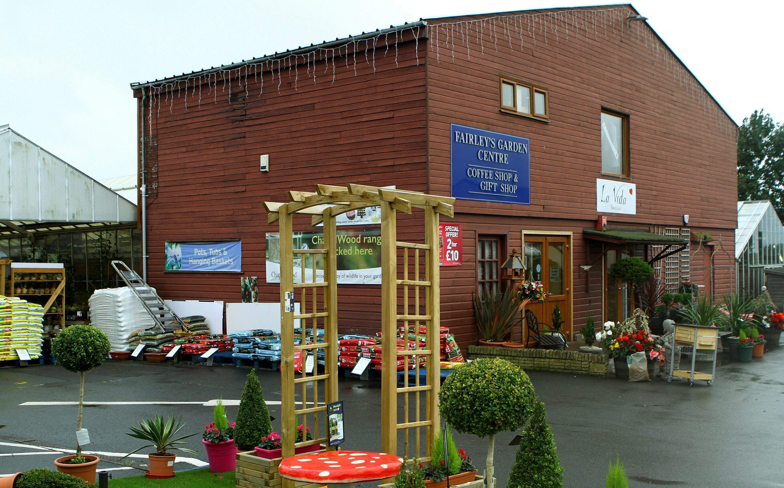 Fairley's Garden Centre in Cairneyhill, where fake notes were spotted.
