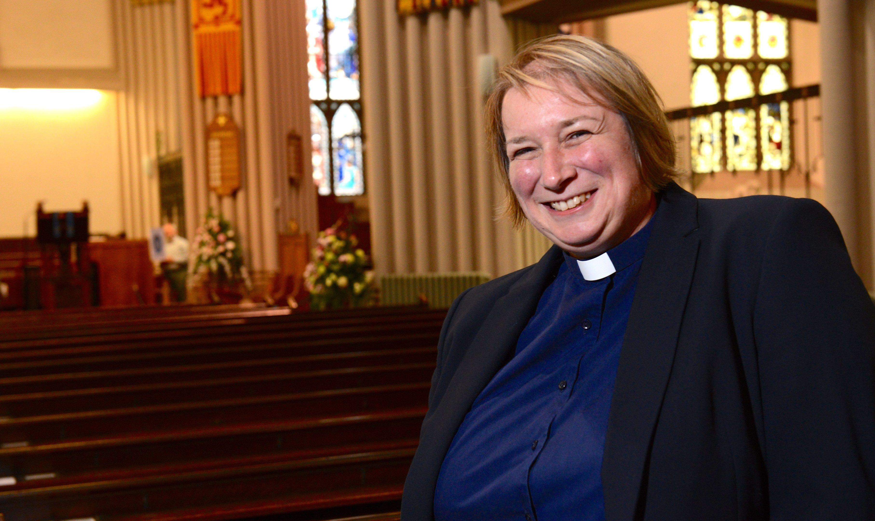 The Rev MaryAnn Rennie in Dunfermline Abbey Church