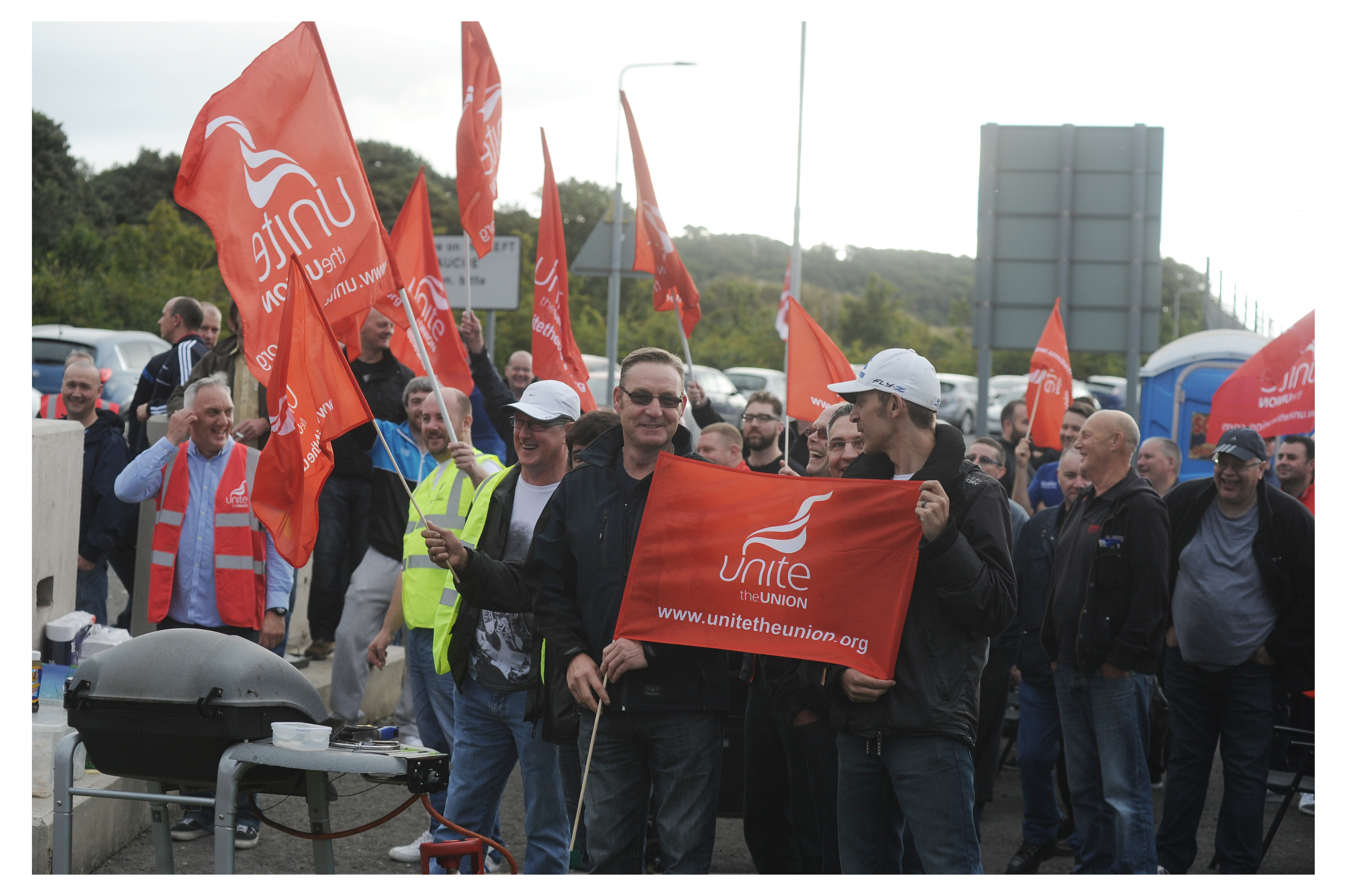 ROSYTH – Unite members at Oceaneering will be on the picket line. Strike action is over redundancy payments, which Unite says is the bare legal minimum. 6 Sept 16
