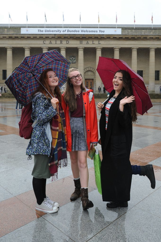 Courier News - Dundee - Dundee story - the University of Dundee gave a welcome in the Caird Hall to fresher students arriving to study in the city for the first time. Picture Shows; l to r - Emma Mitchell, Rebecca Hackett and Brooke Cawley, City Square, Dundee, Monday 05 September 2016