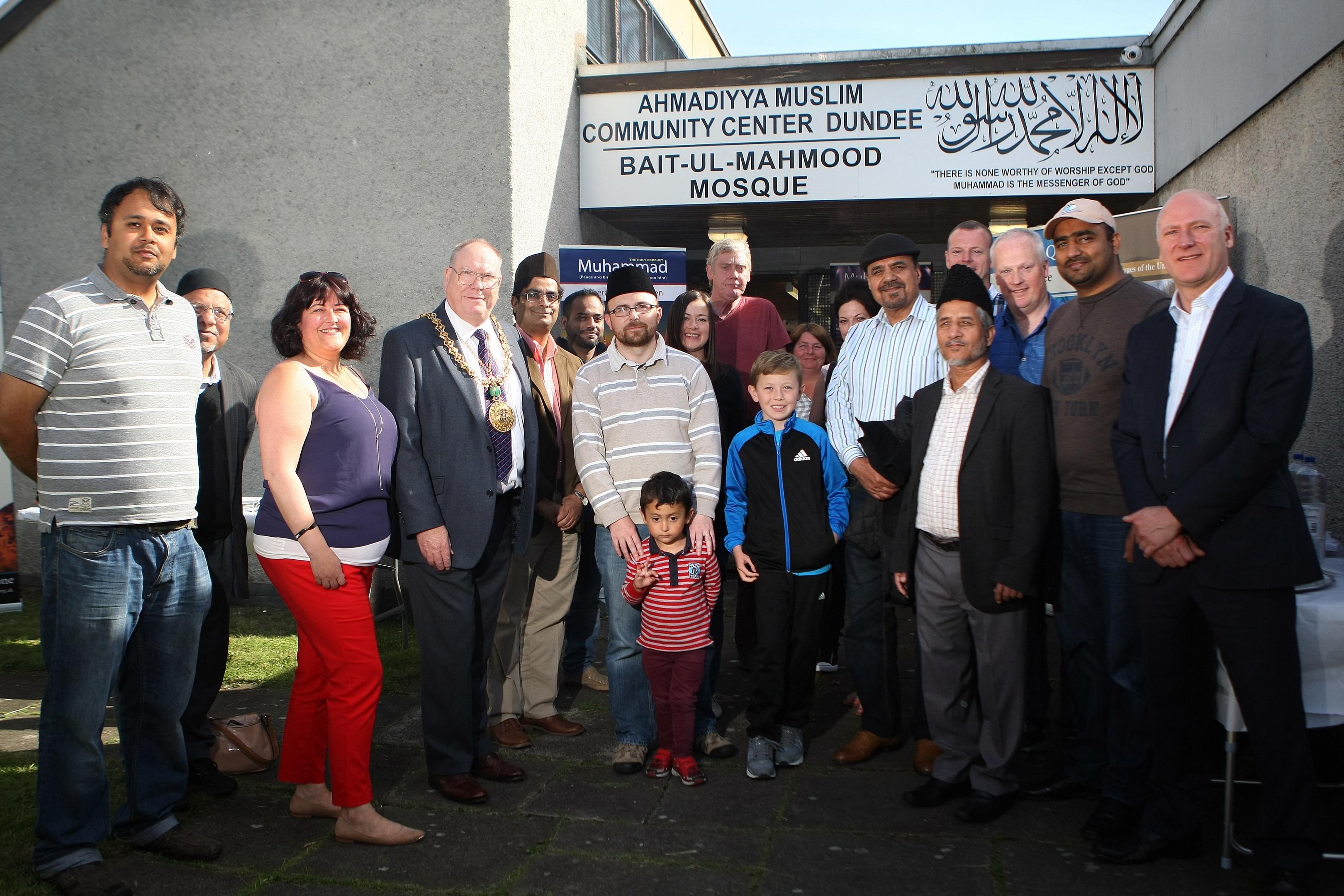 Dundee's Ahmadiyya Muslim community has called for unity after last week's atrocity in London