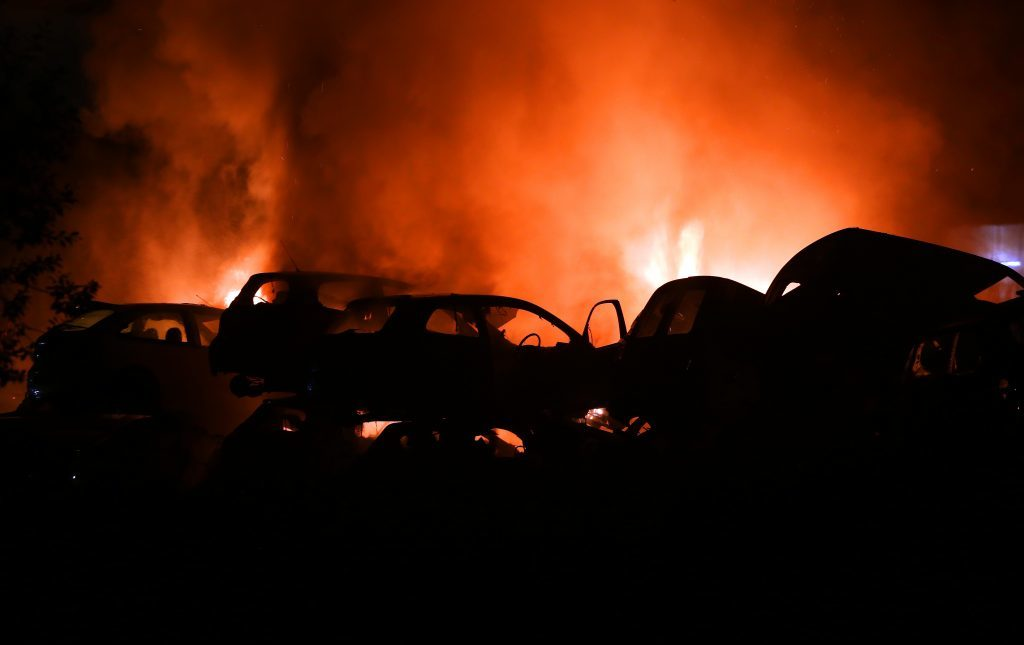 Courier News - Kirsty McIntosh Story. Picture shows; Scrap yard fire at Baldovie auto breakers, Monday, 19 September 2016.