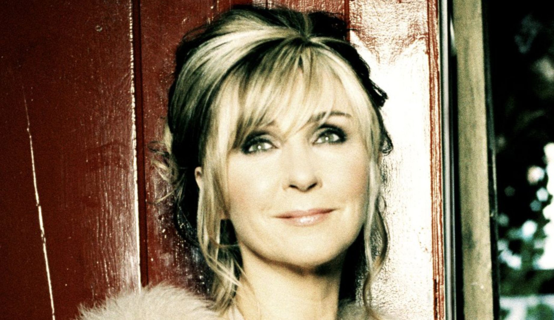 The voice of an angel - Lesley Garrett is heading to Dunfermline and Dundee.