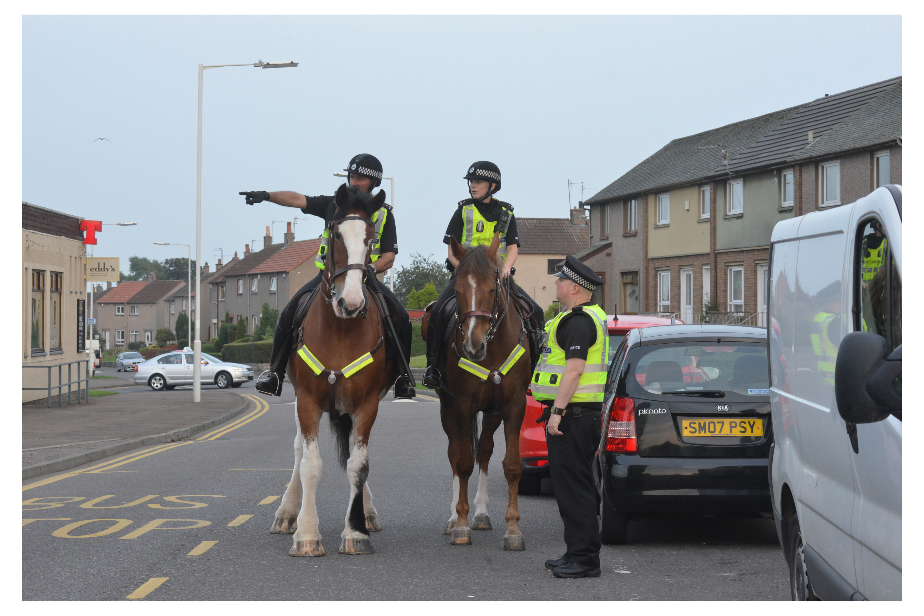 Mounted police visit Birnam Road to reassure residents
