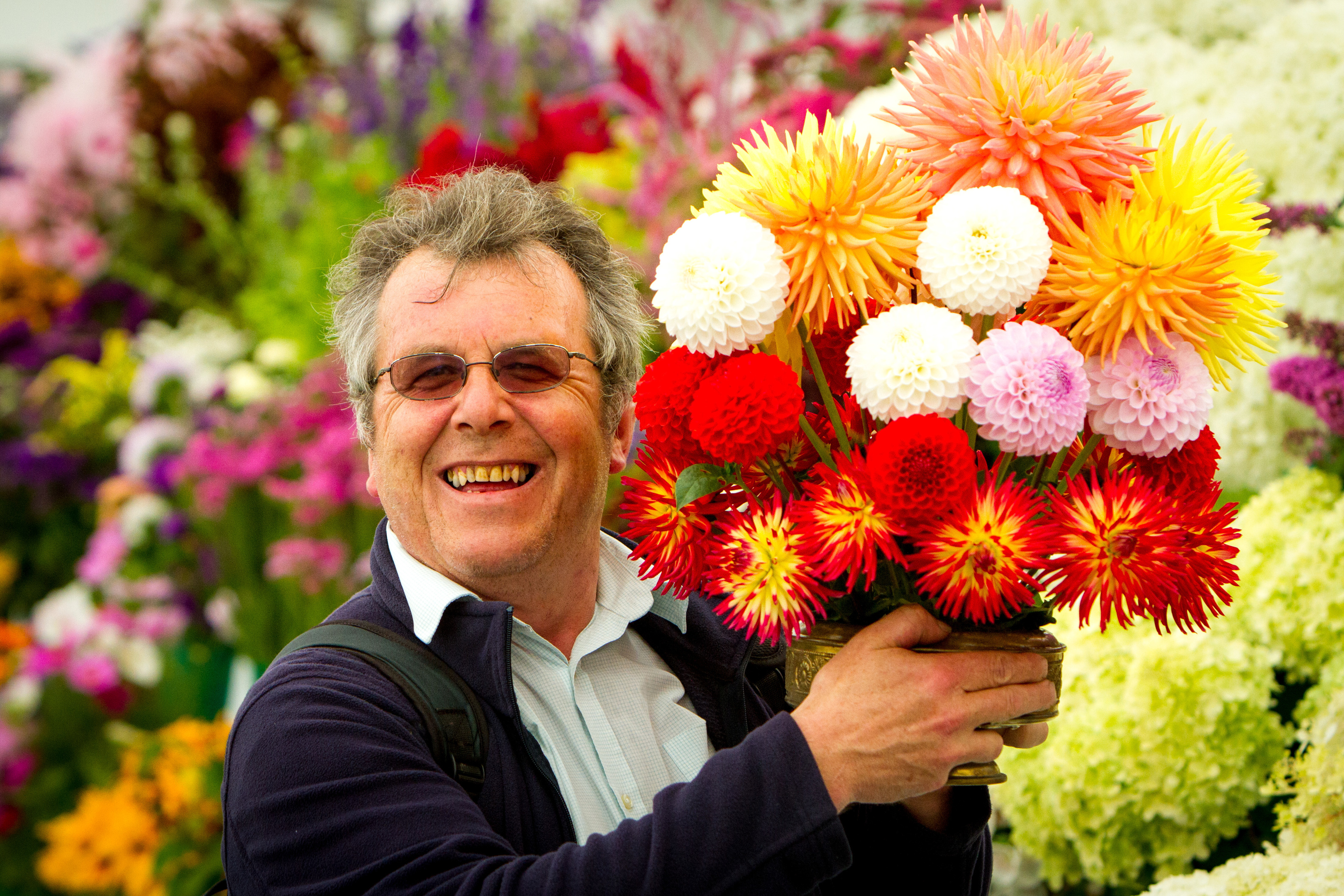 Gordon Robbie winner of the Thomson Rose Bowl for Cut Flowers at the 2016 Dundee Flower and Food Festival