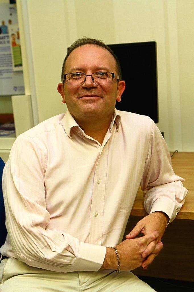 Dr Cesar Rodriguez.