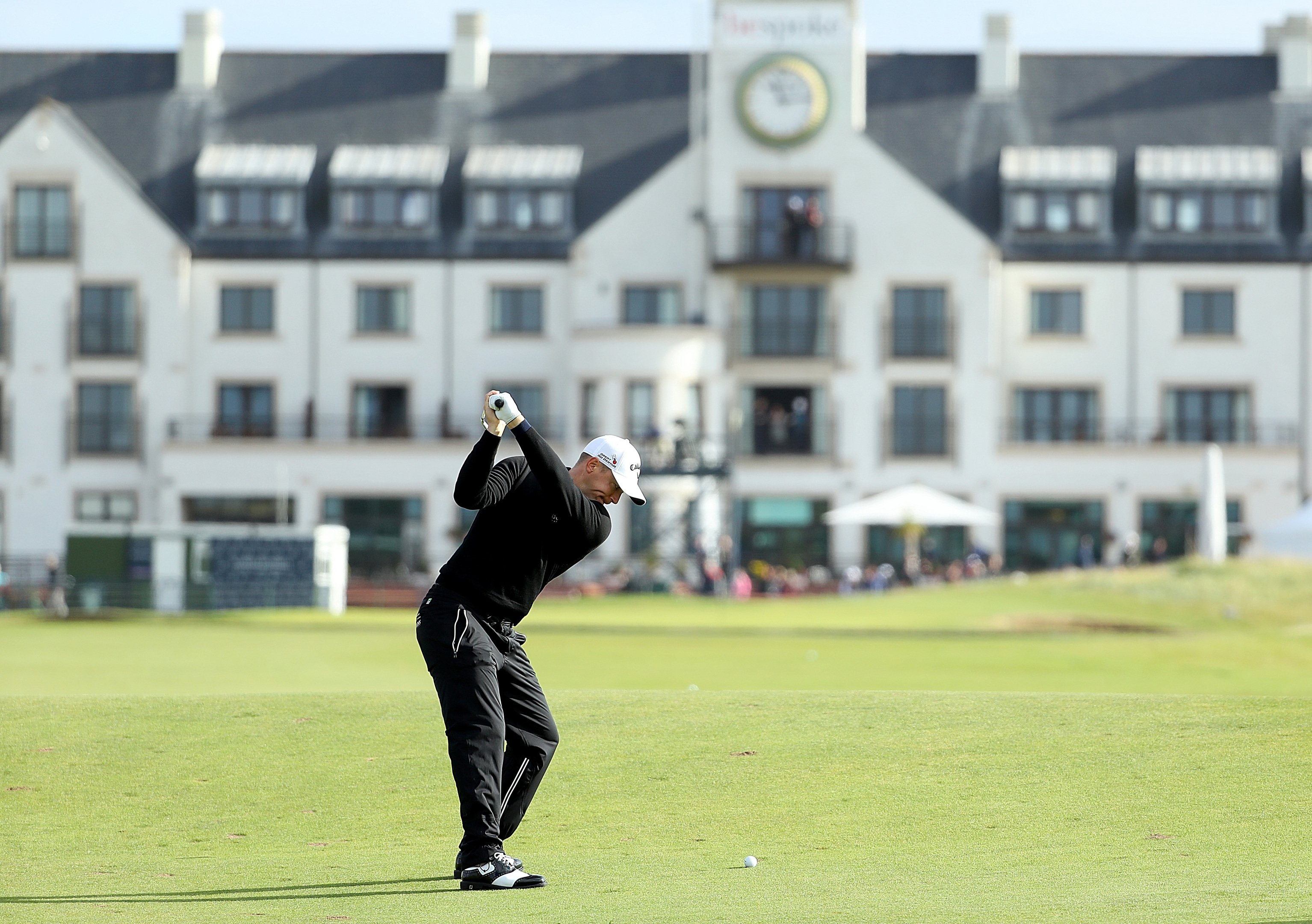 CARNOUSTIE, SCOTLAND - OCTOBER 06:  Alex Noren of Sweden plays his second shot to the 18th hole during the first round of the Alfred Dunhill Links Championship on the Championship Course, Carnoustie on October 6, 2016 in Carnoustie, Scotland.  (Photo by Richard Heathcote/Getty Images)