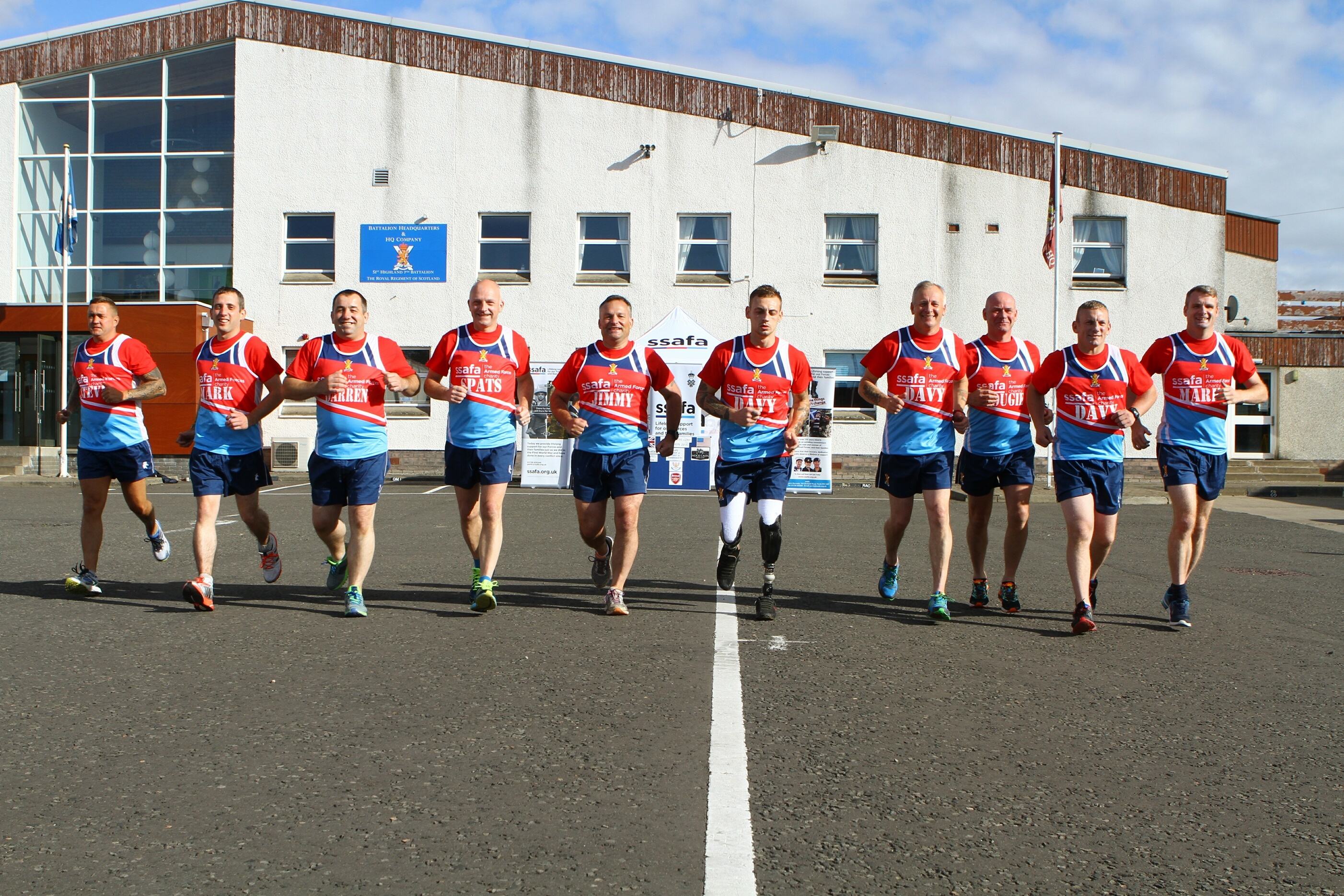 The members of 7 Scots who are going to take part in the US Marine Corps Marathon 2016.