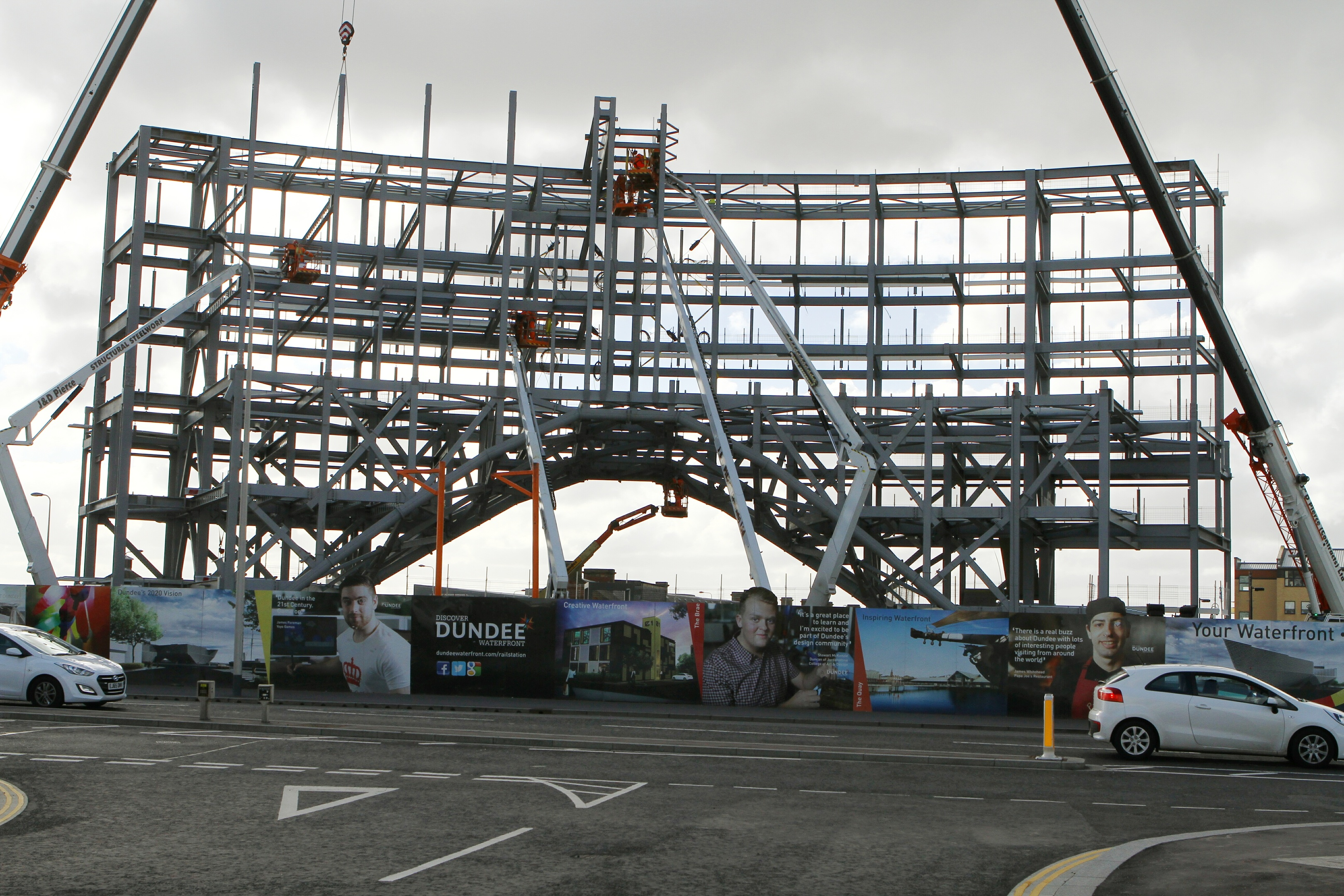The new Dundee Station/Sleeperz Hotel under construction.