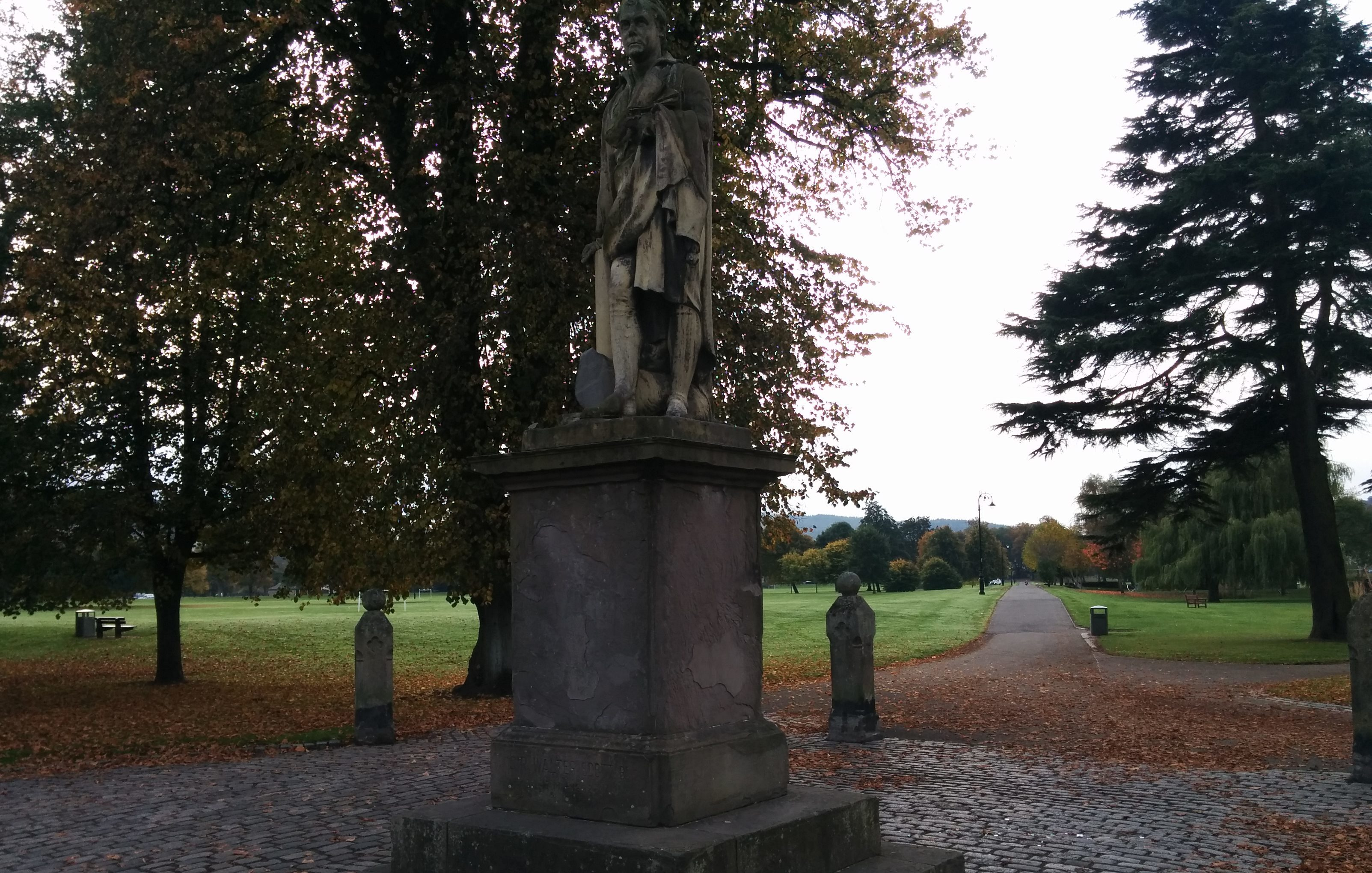 The Sir Walter Scott statue on the South Inch in Perth with missing dog.
