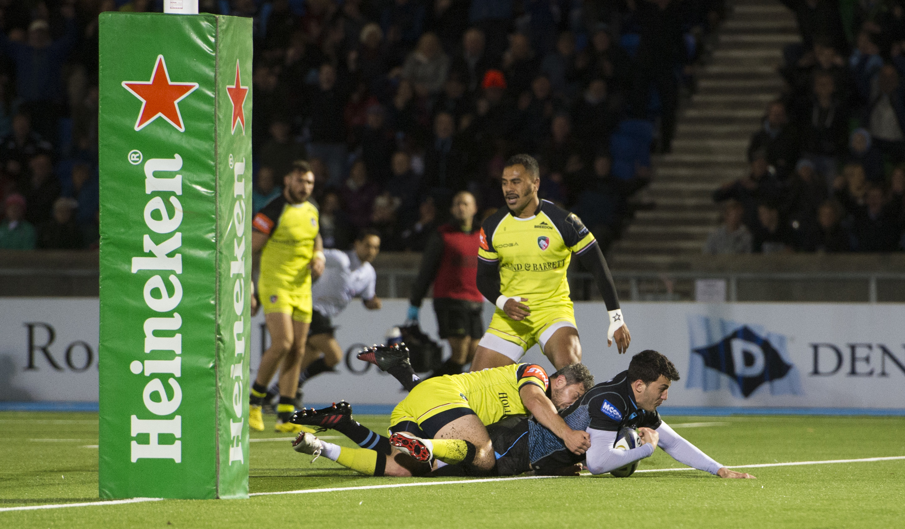 Leonardo Sarto's first try for Glasgow against Leicester came as the Warriors made a key tactical switch in the first half.