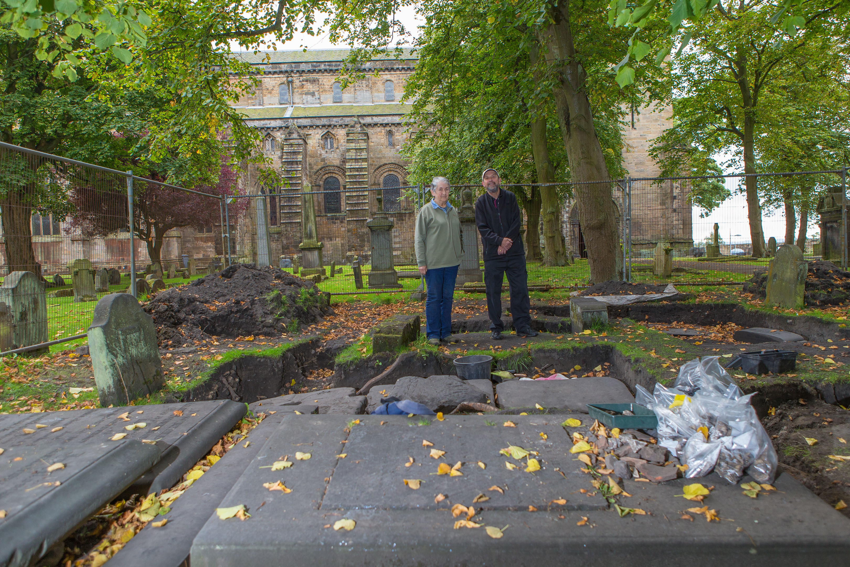 Sue Mowat and George Raeburn from Dunfermline Heritage Community Projects.