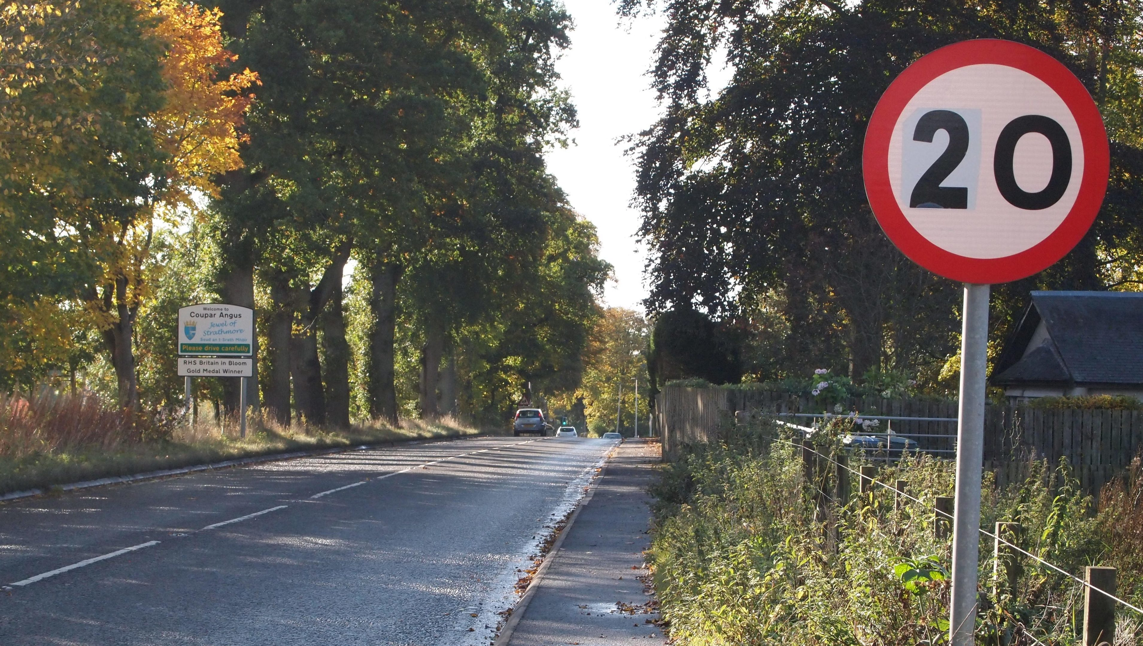 Hoax 20mph signs were put up in Coupar Angus by safety campaigners.
