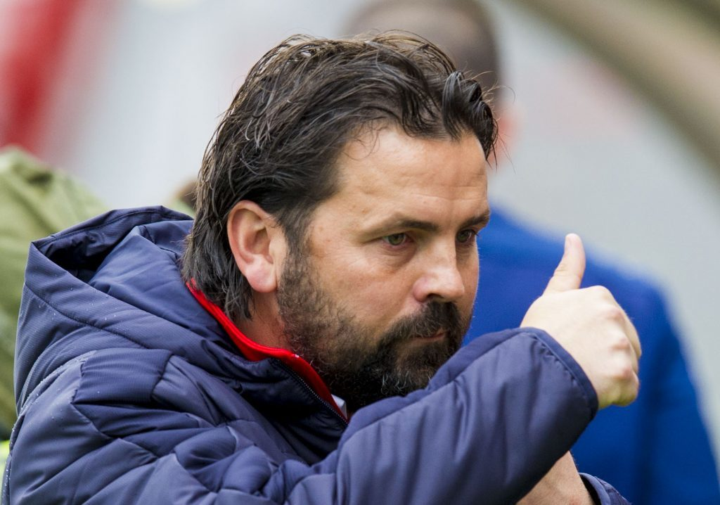 Will there be another thumbs up from Paul Hartley on Saturday?