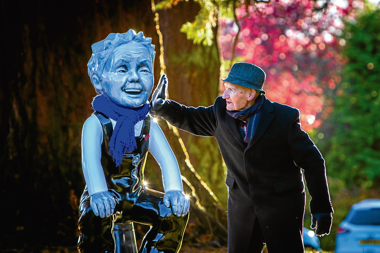 'Young Tom' Lennox, 97, meets Wullie.