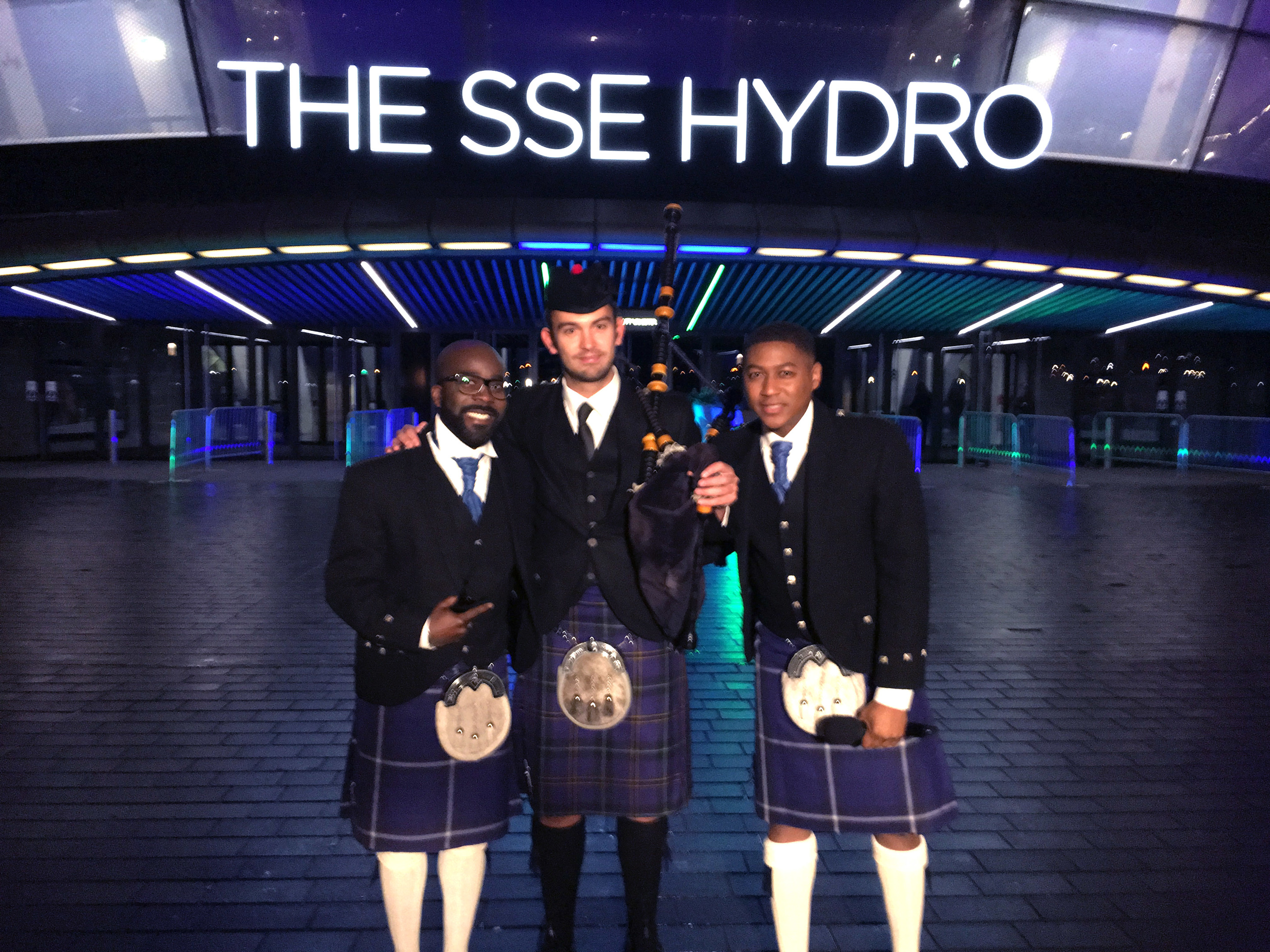 Craig Weir (centre) with 2016 MOBO Awards show hosts Melvin Odoom (left) and Rickie Williams outside the SSE Hydro in Glasgow.