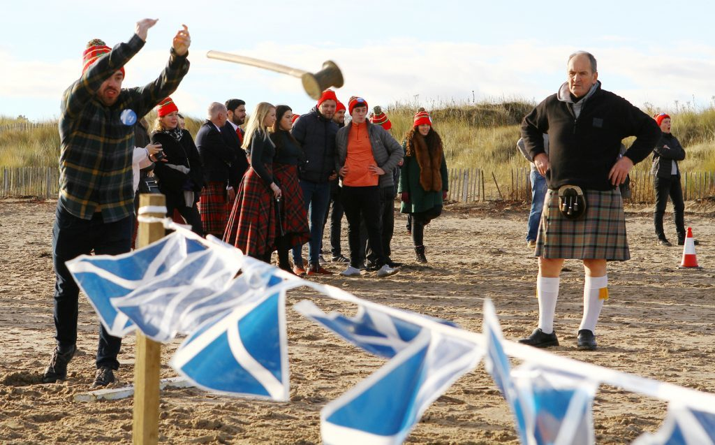 DNic_Andrews_Highland_Games_West_Sands