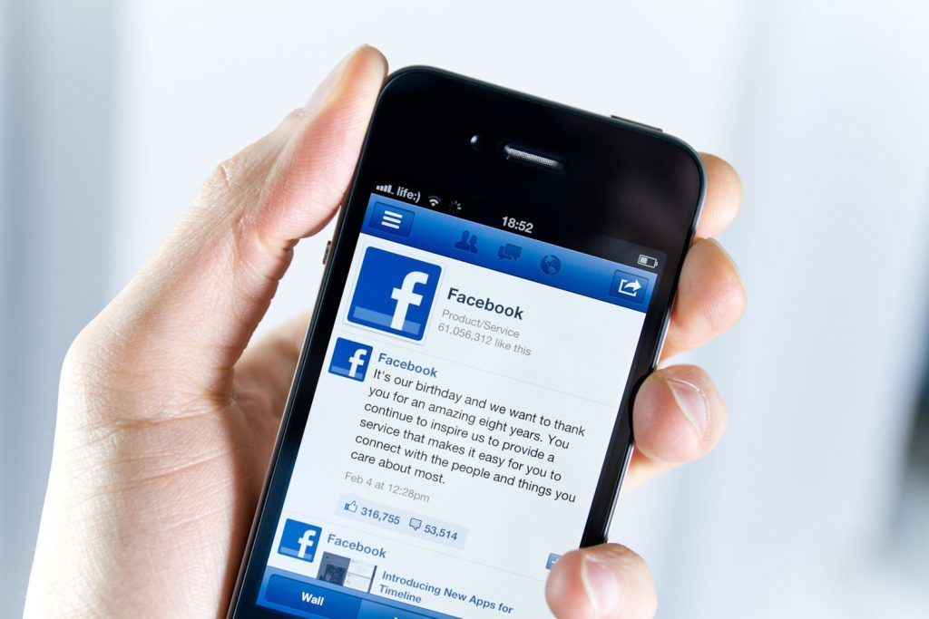 Facebook app on smart phone